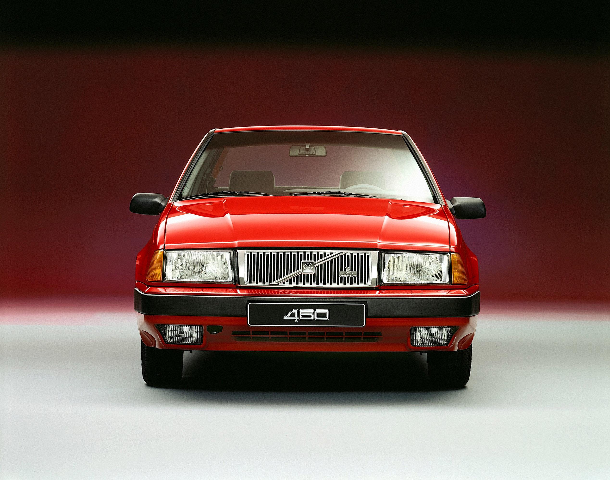 Volvo 460 photo #1