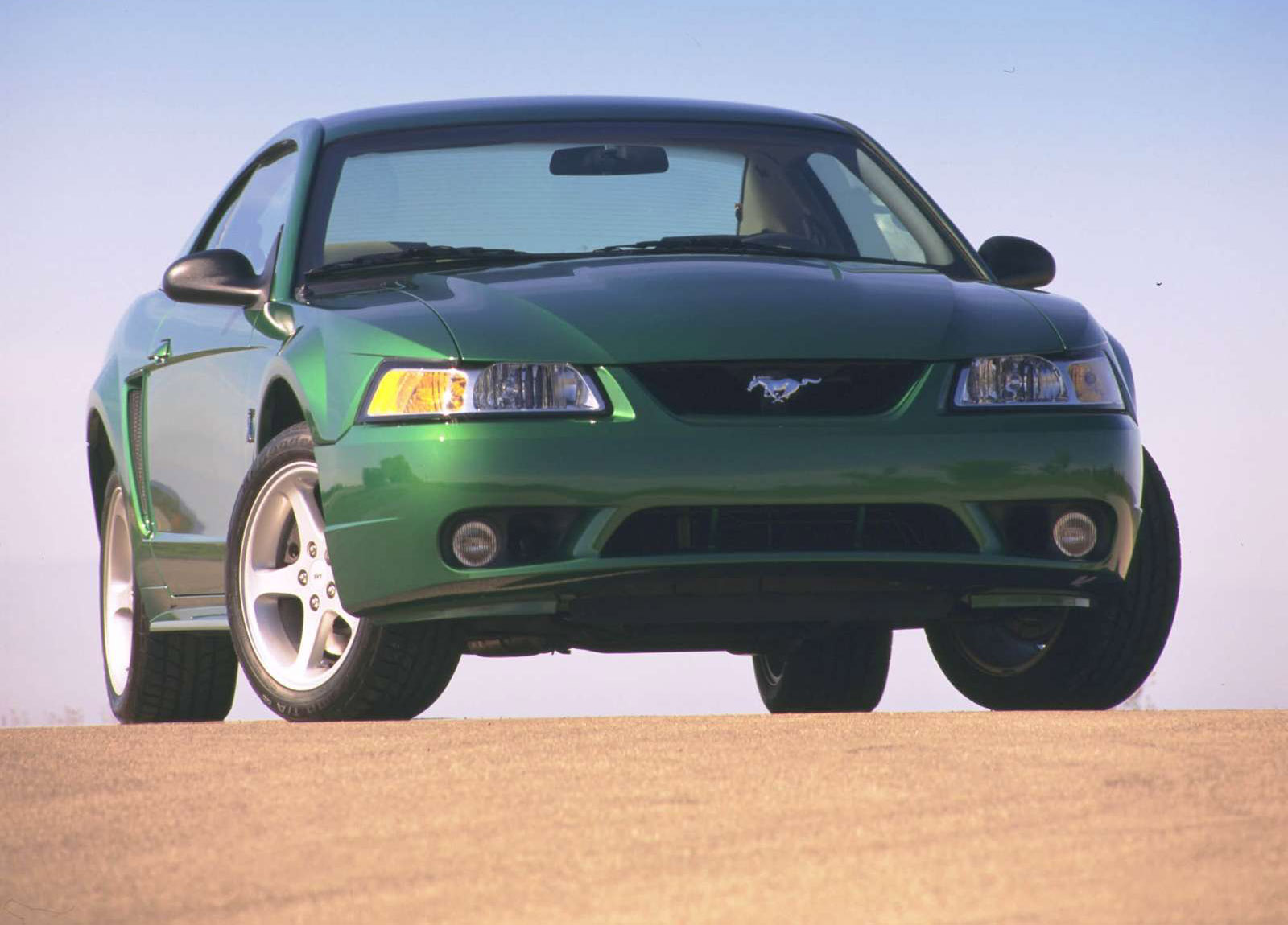 Ford Mustang SVT Cobra photo #1