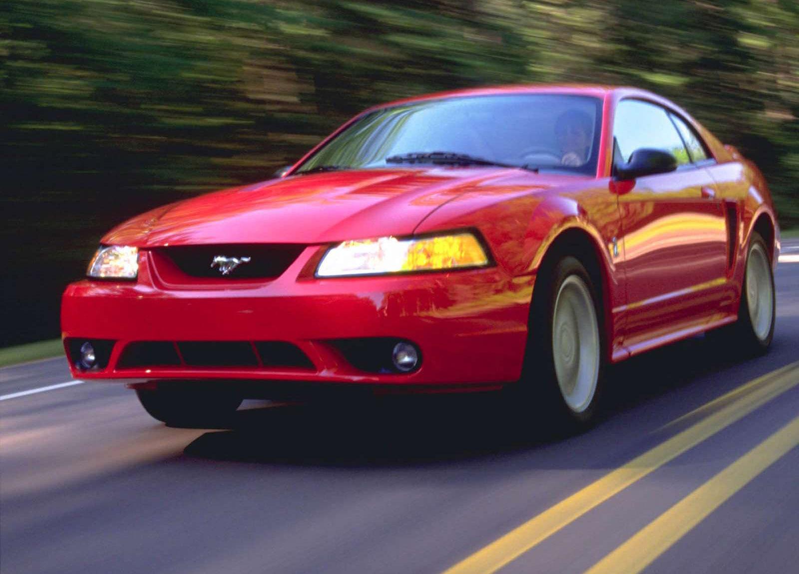 Ford Mustang SVT Cobra photo #2