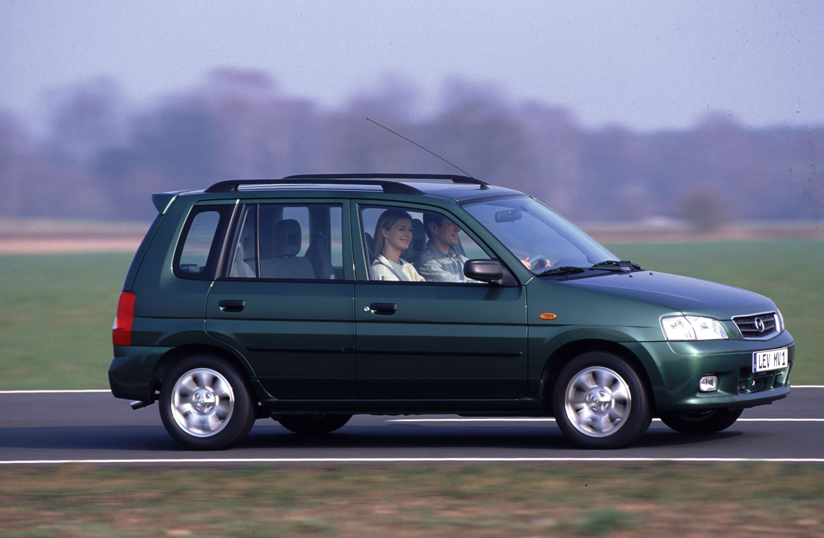 2000       Mazda       Demio     HD Pictures   carsinvasion