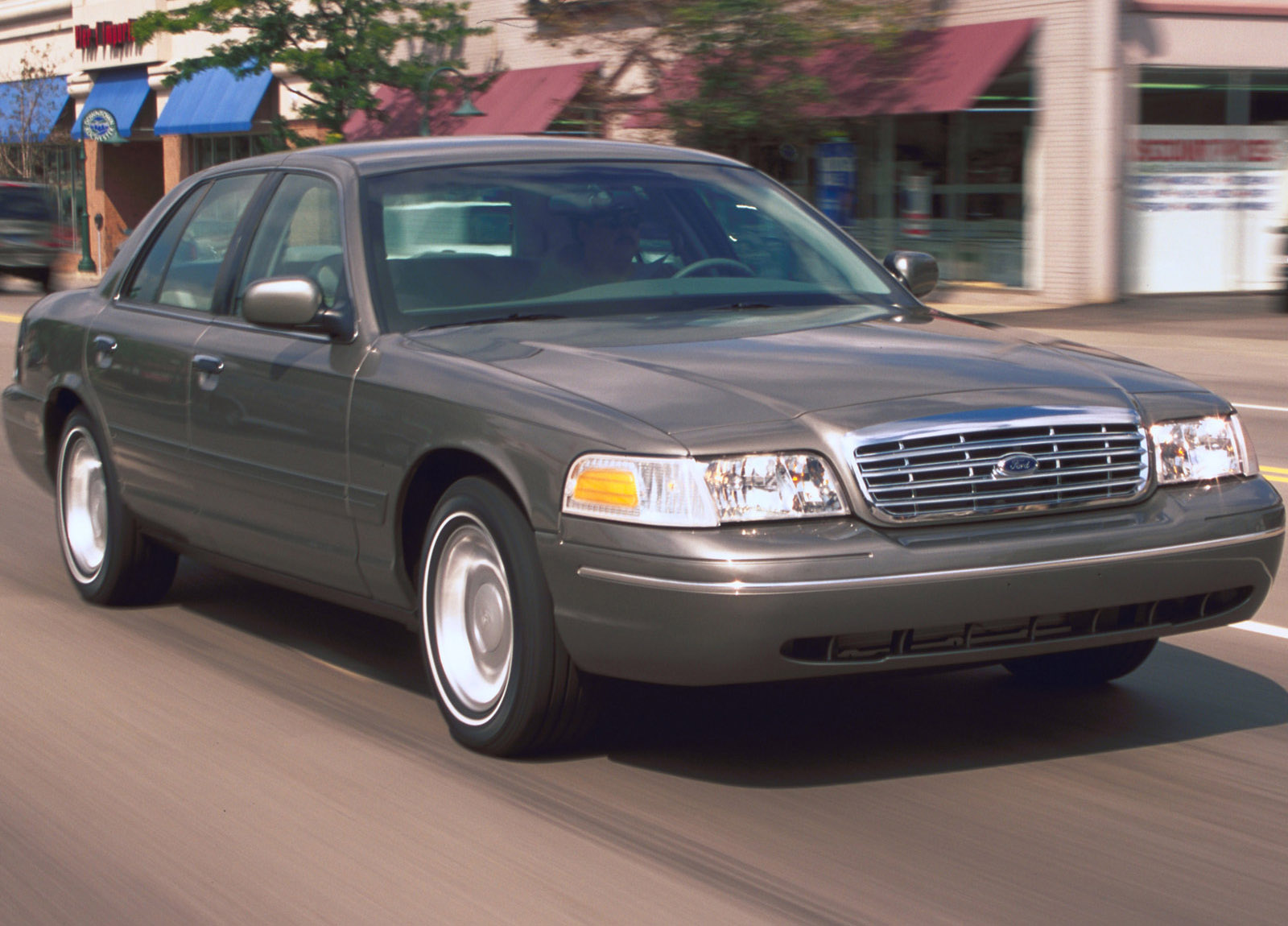 2001 Ford Crown Victoria Hd Pictures Carsinvasion Com