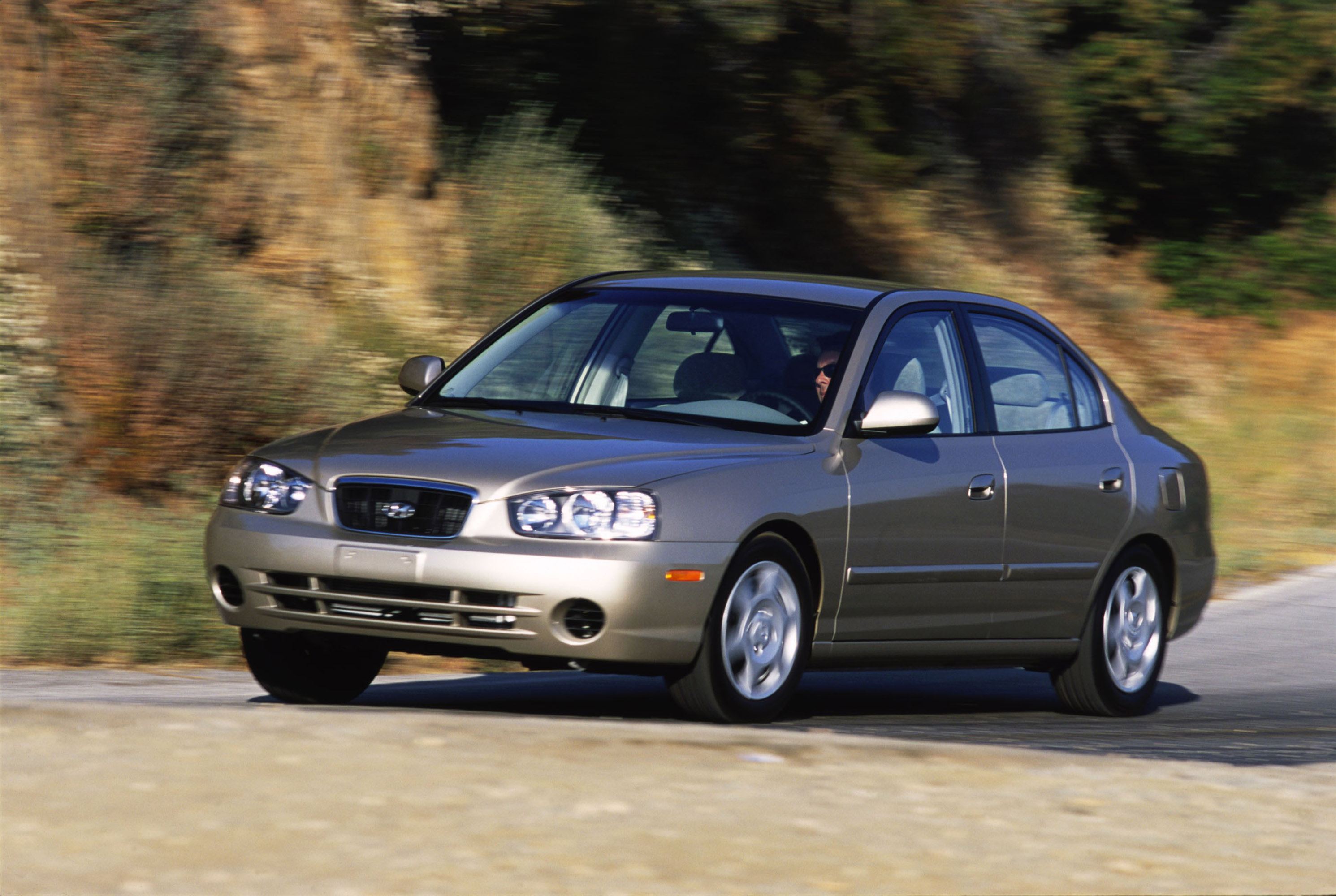 2001 Hyundai Elantra Gls Hd Pictures Carsinvasion Com