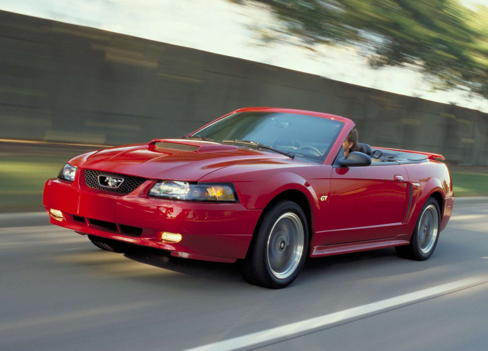 Ford Mustang GT Convertible photo #1
