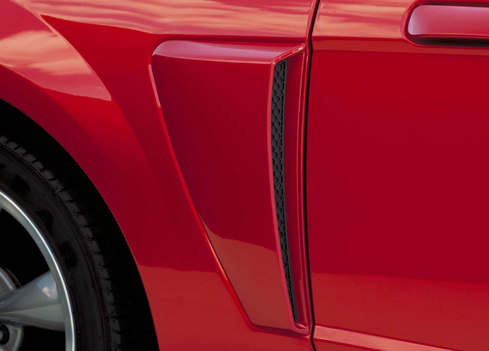 Ford Mustang GT Convertible photo #5