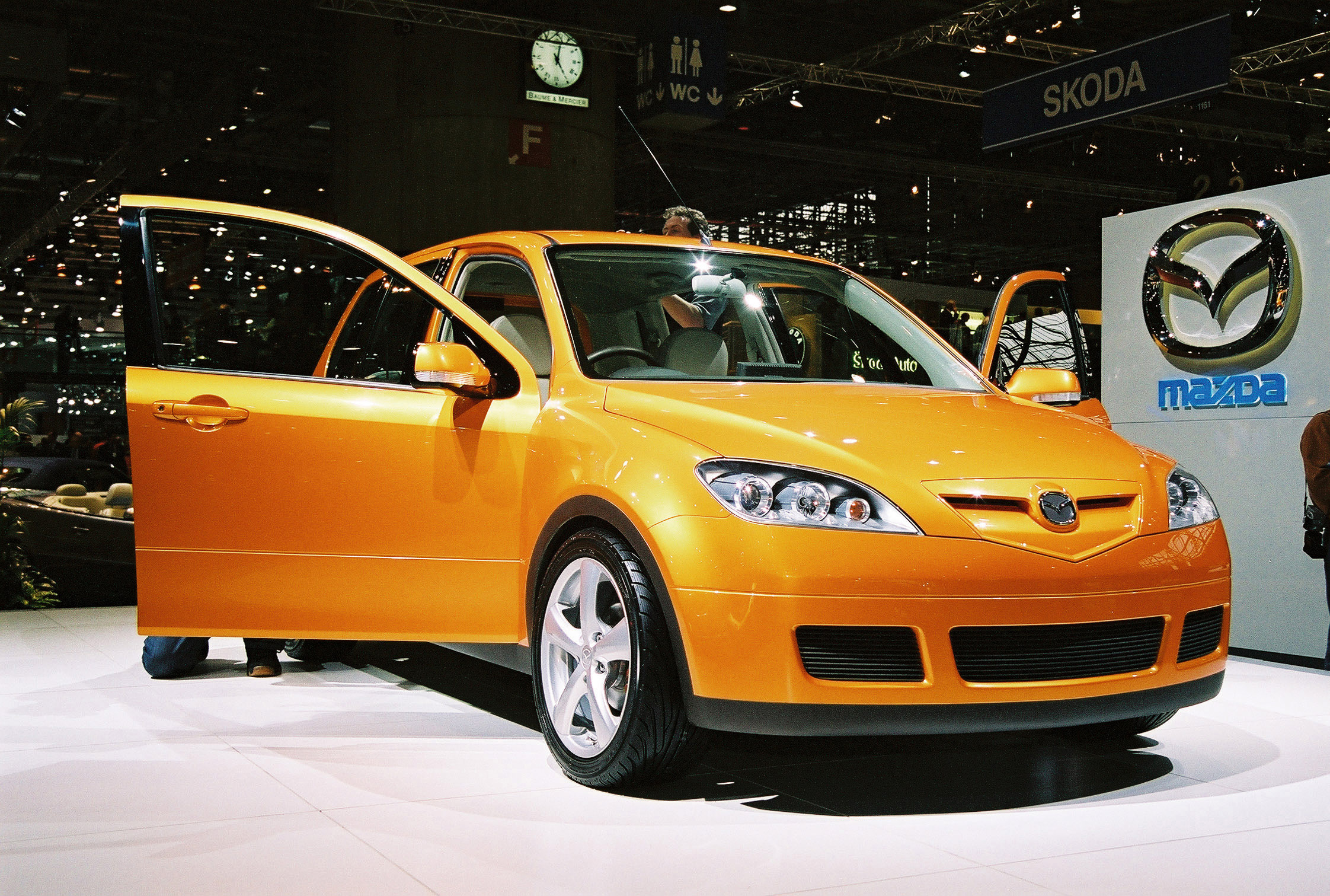 2002 Mazda MX Sport Runabout Concept - HD Pictures @ carsinvasion.com