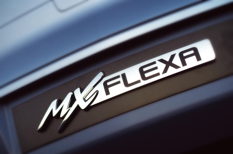 Mazda MXFlexa Concept photo #32