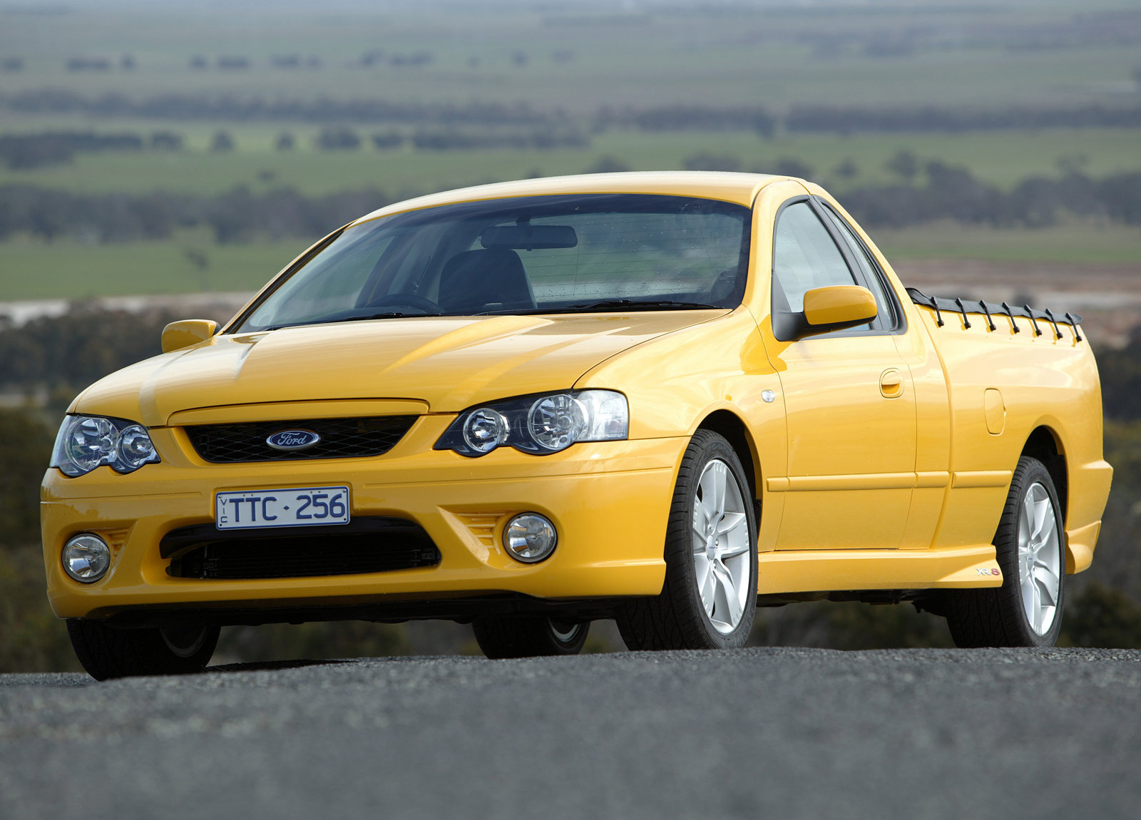 Ford BF Falcon XR8 Ute photo #1