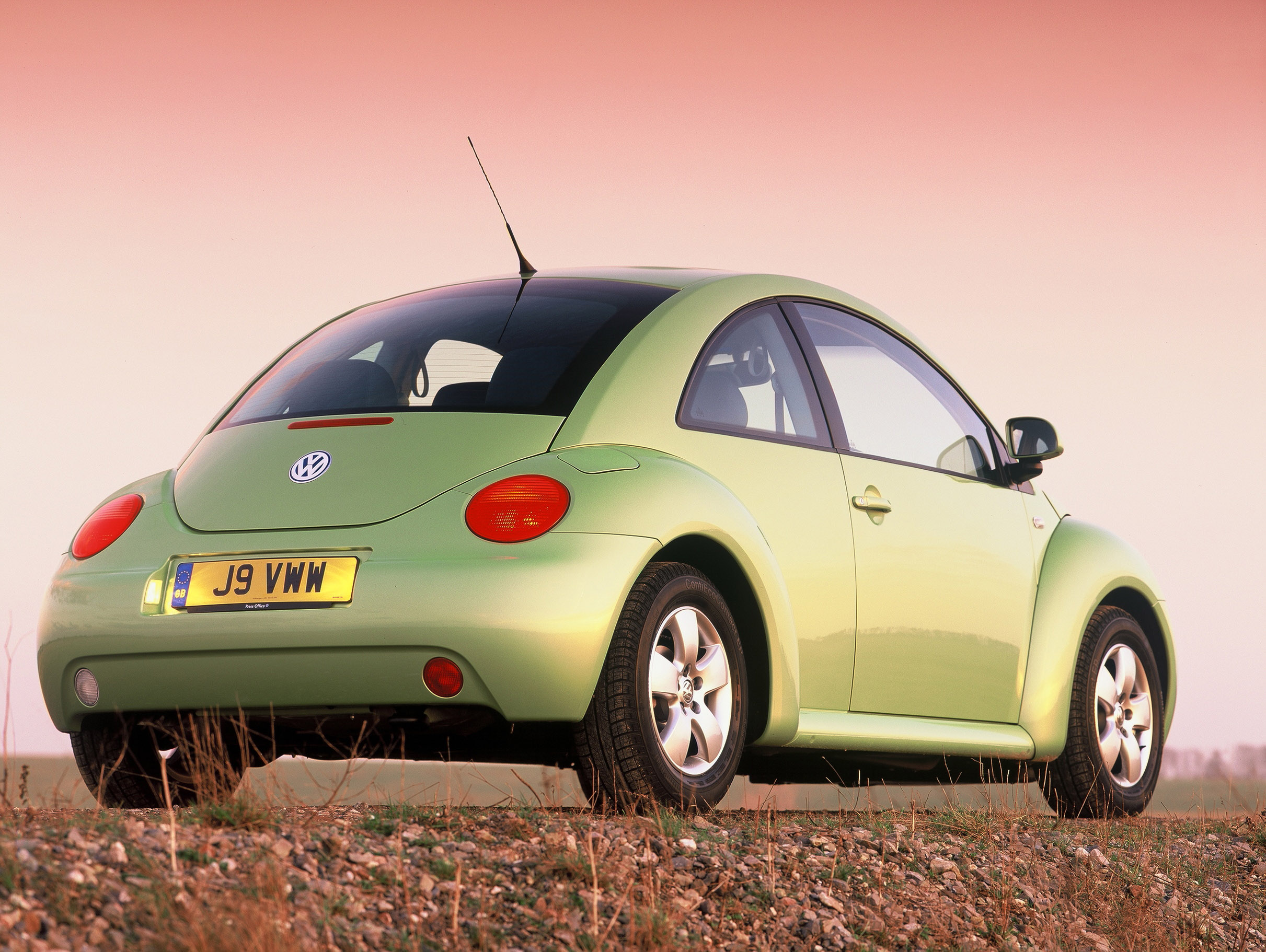 beetle volkswagen 2005 1998 vw carsinvasion beetles 1999 hatchback seafoam 2000 cars parkers autoevolution