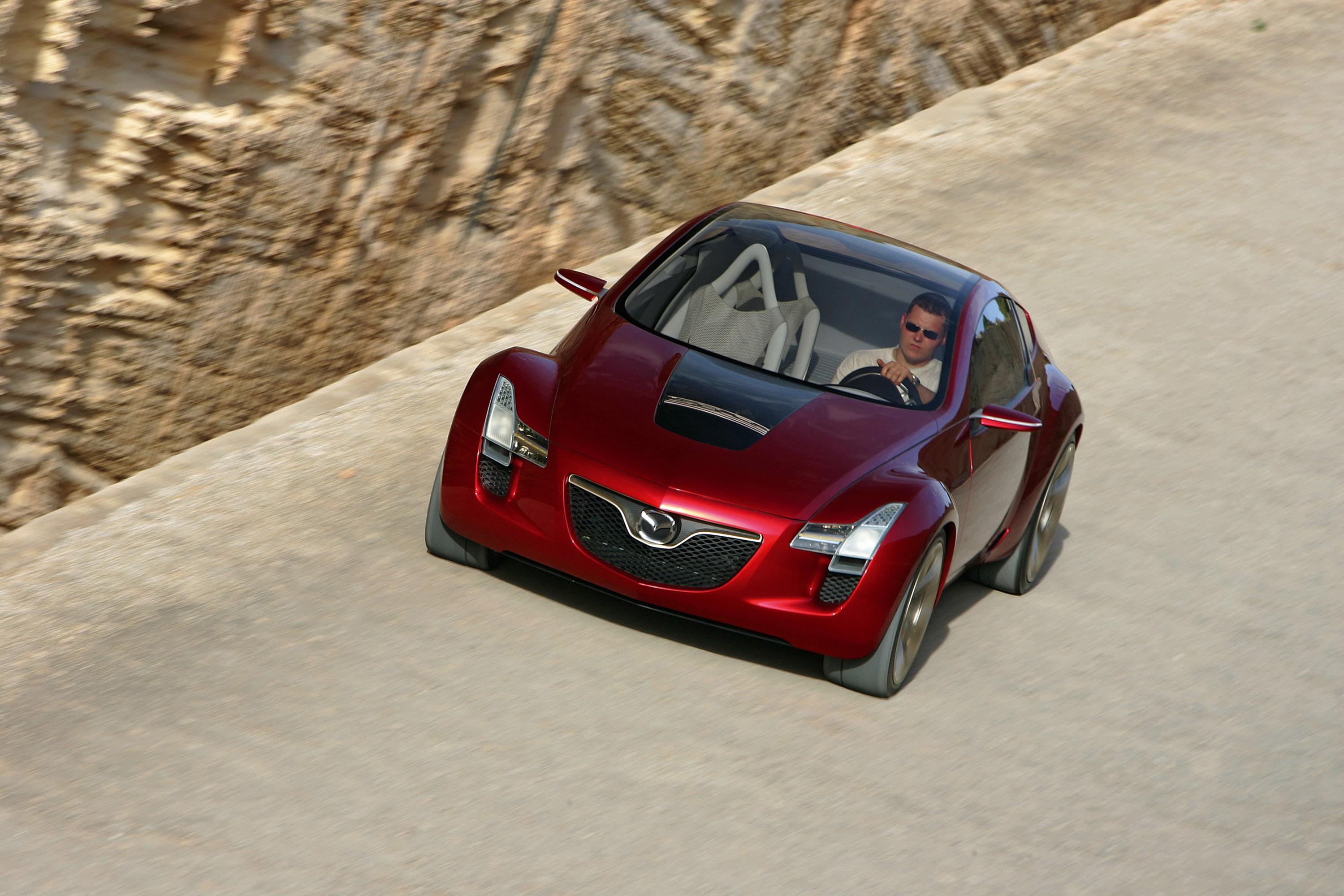 https://www.carsinvasion.com/gallery/2006-mazda-kabura-concept/2006-mazda-kabura-concept-12.jpg