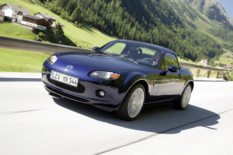 https://www.carsinvasion.com/gallery/2006-mazda-mx-5-roadster-coupe/2006-mazda-mx-5-roadster-coupe-06.jpg