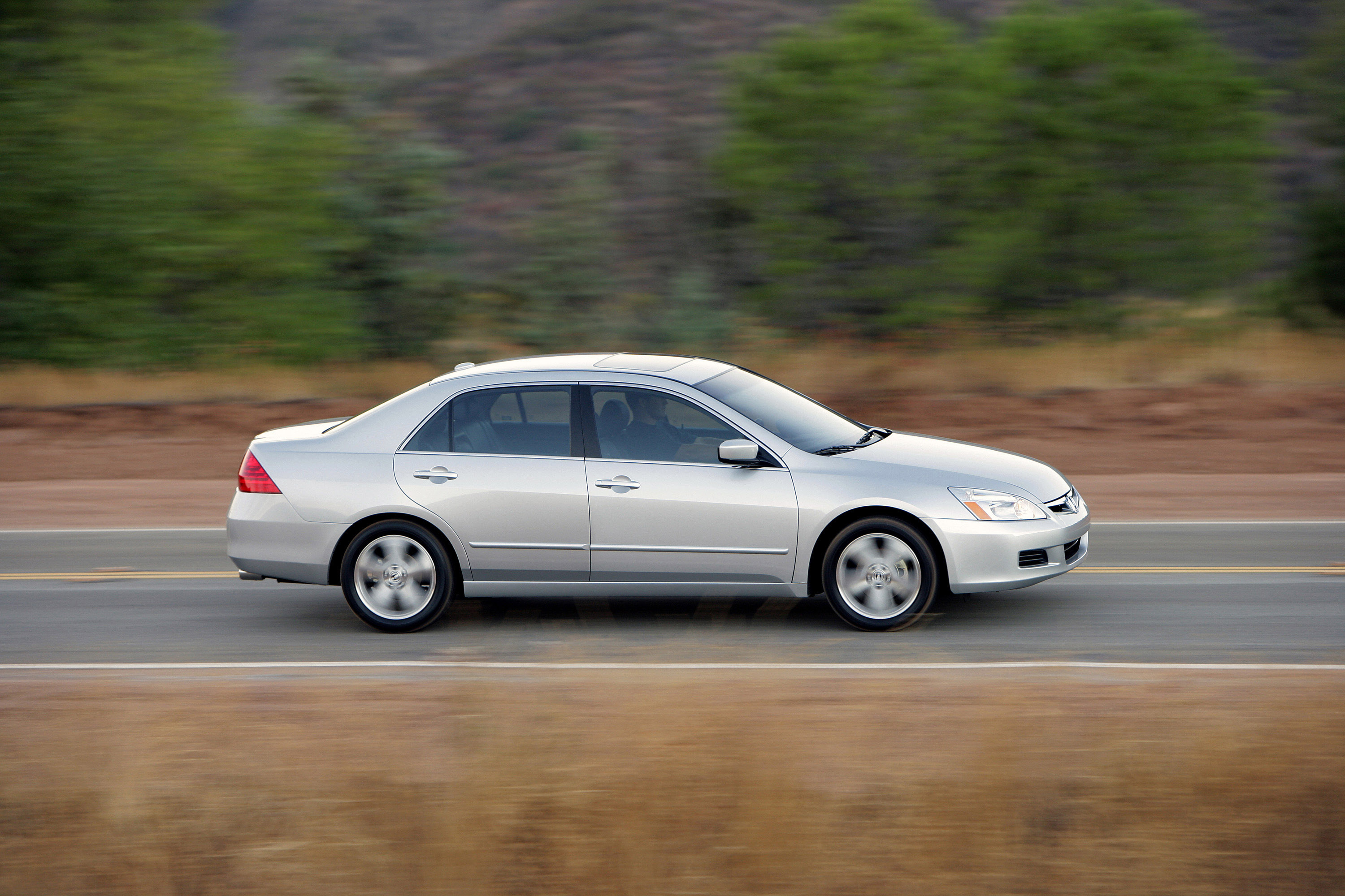 honda accord sedan   hd pictures  carsinvasioncom