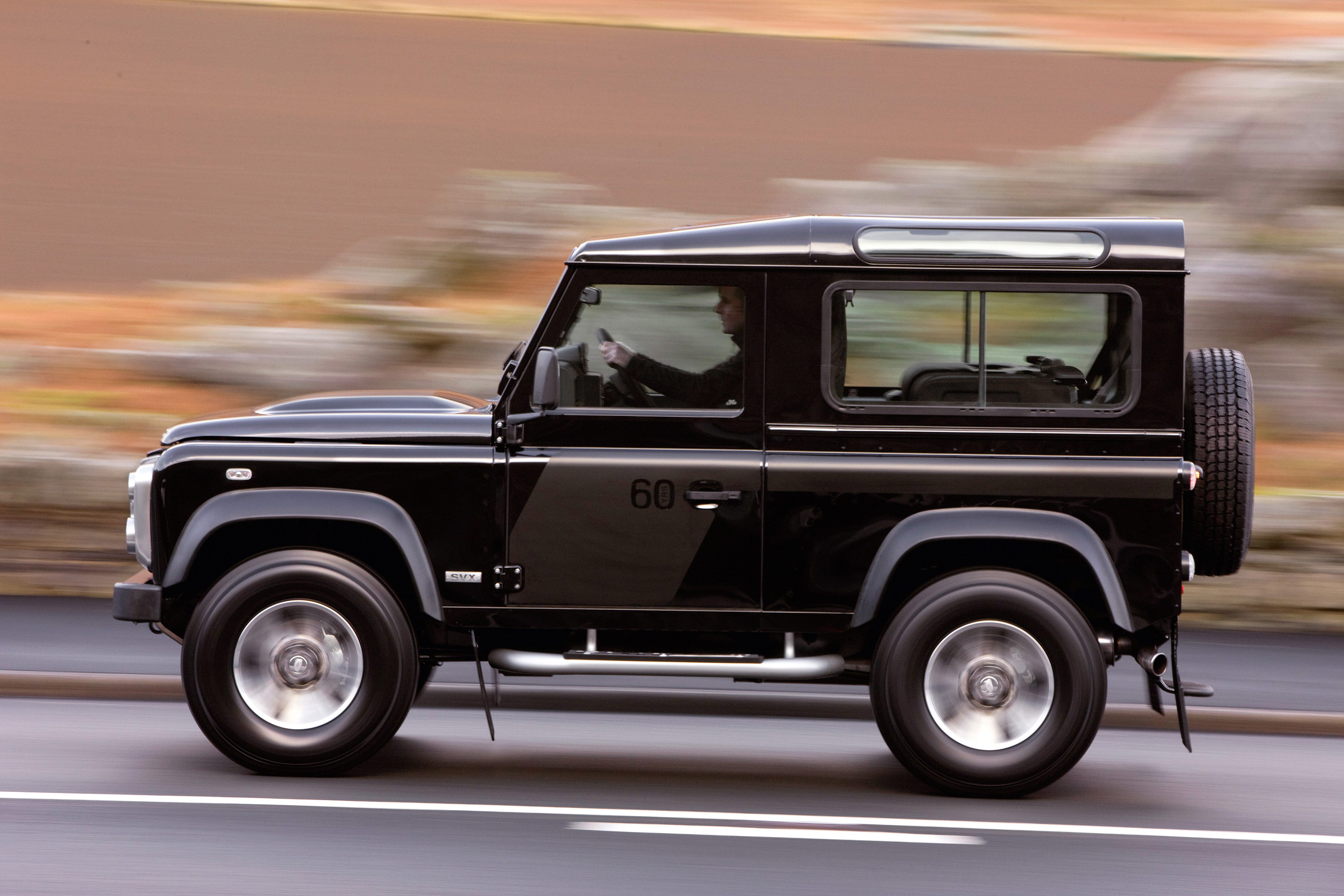 https://www.carsinvasion.com/gallery/2008-land-rover-defender-svx/2008-land-rover-defender-svx-10.jpg