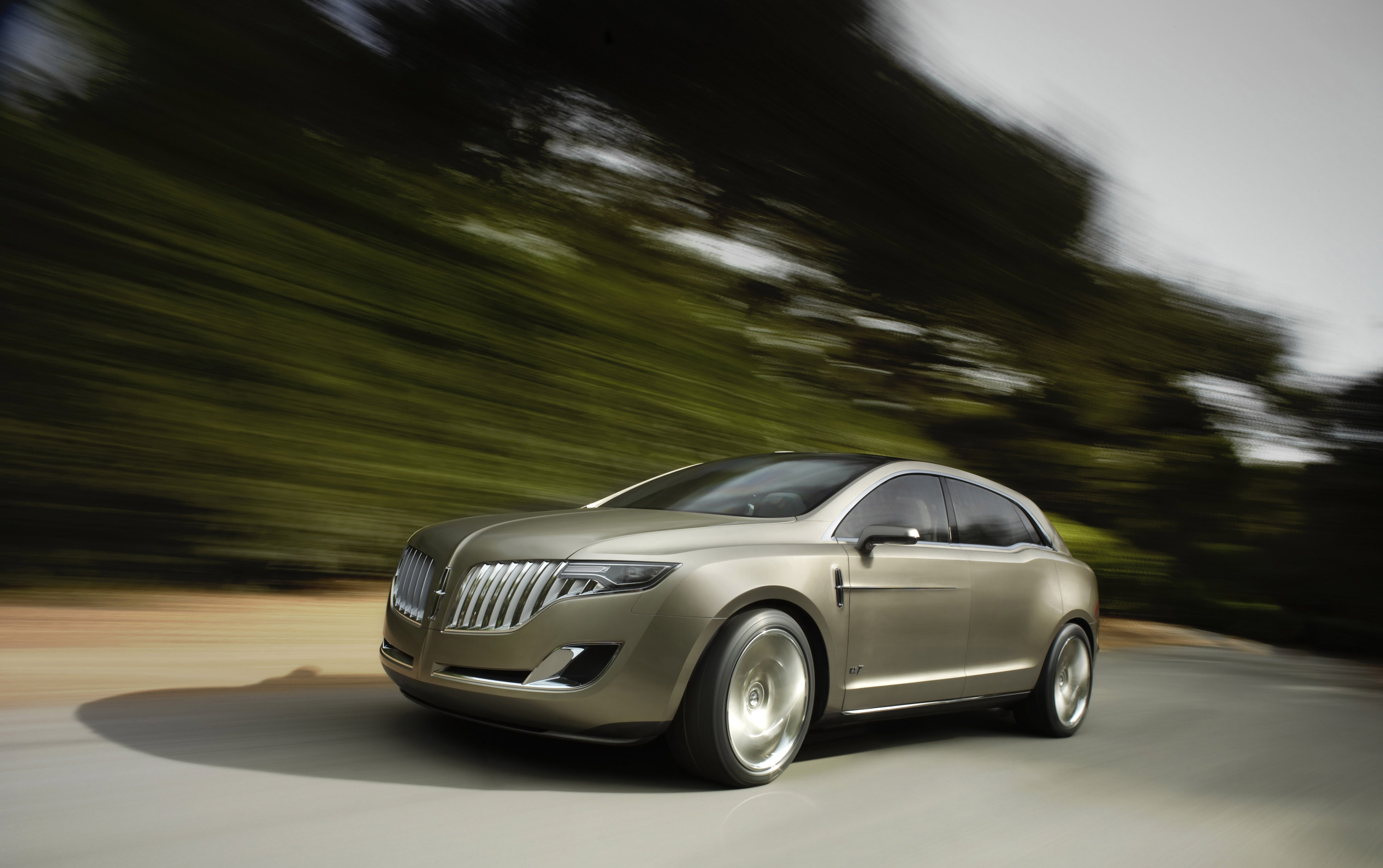 Lincoln MKT Concept photo #1
