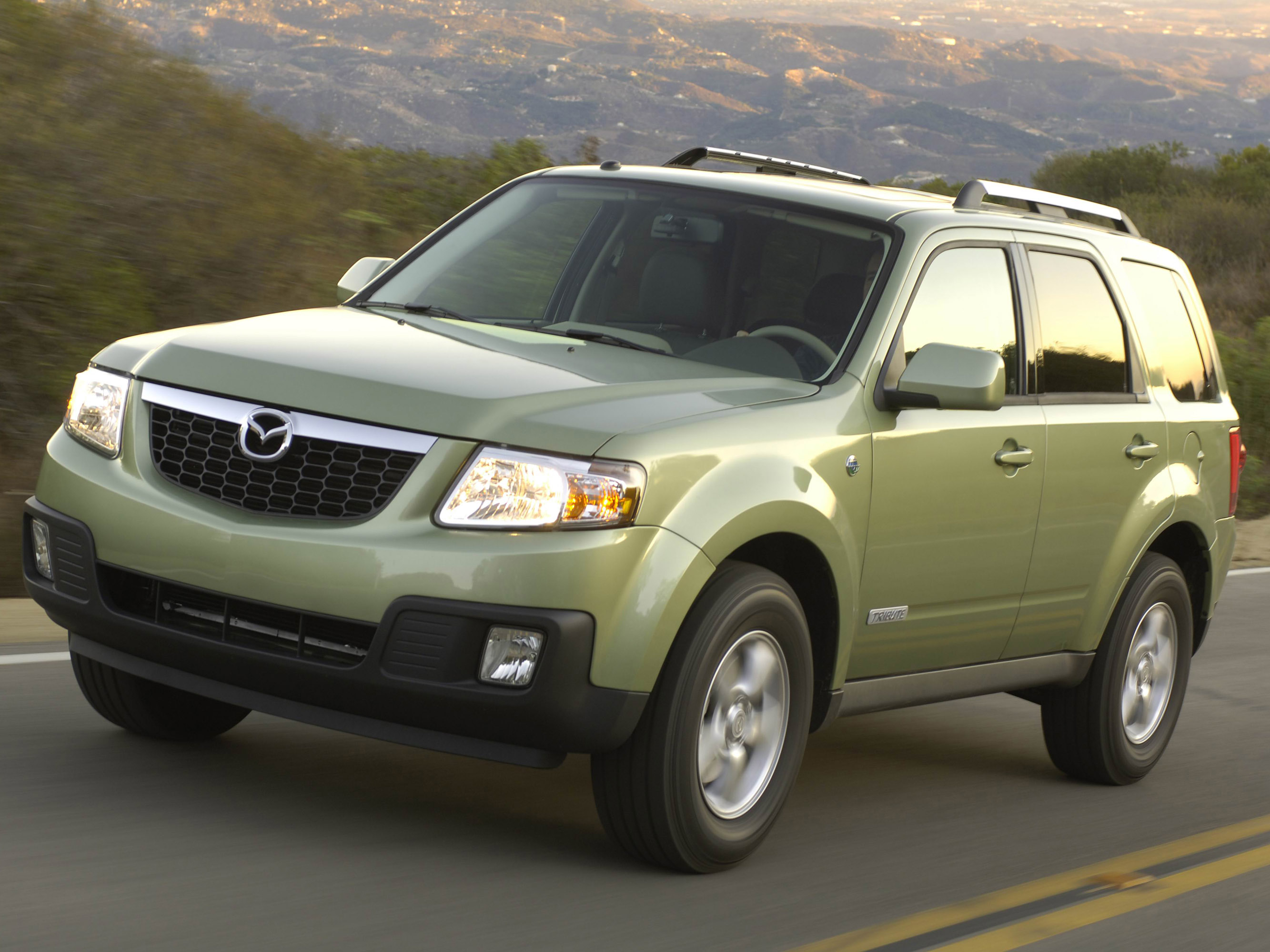 Mazda Tribute HEV photo #1