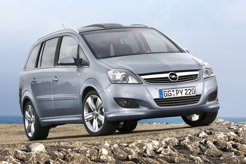 Opel Zafira photo #1
