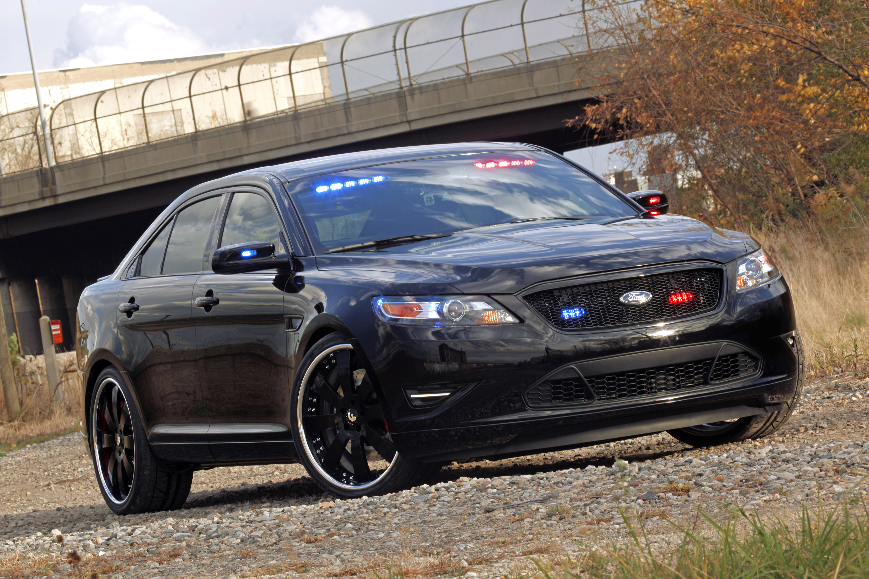 Ford Stealth Police Interceptor Concept photo #1