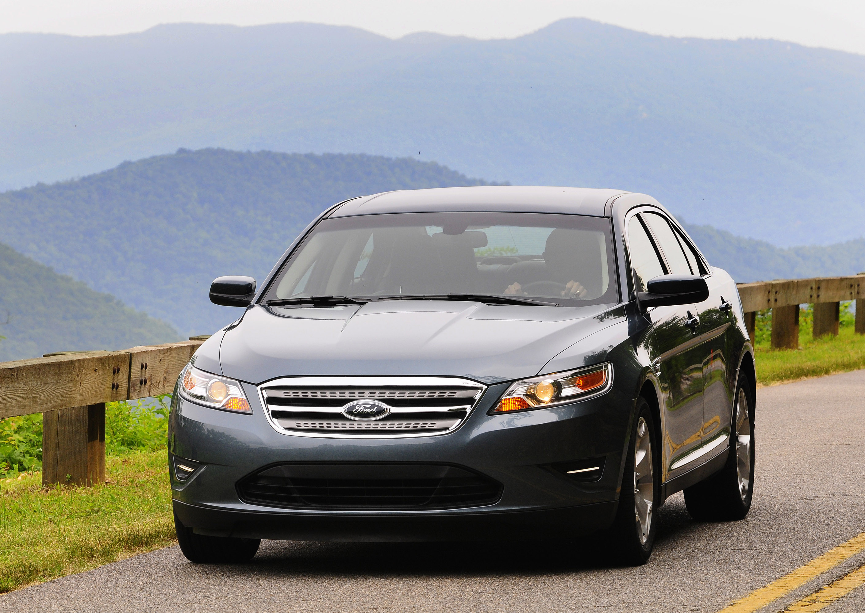 2010 ford taurus hd pictures. Black Bedroom Furniture Sets. Home Design Ideas
