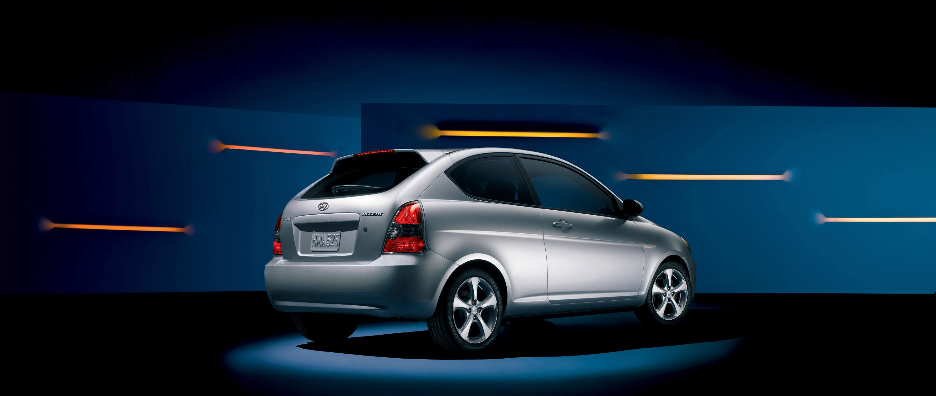 2010 hyundai accent hd pictures. Black Bedroom Furniture Sets. Home Design Ideas