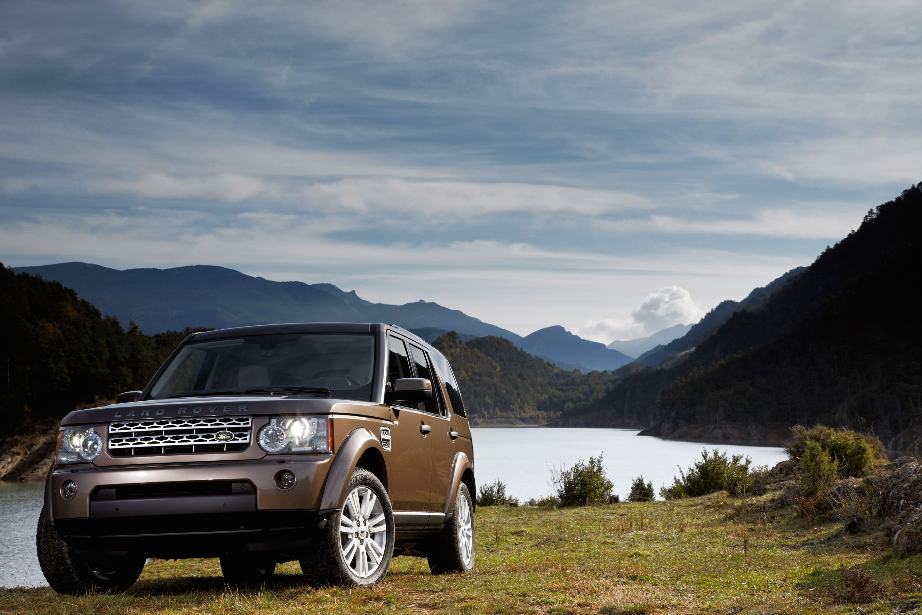 Land Rover Discovery 4 photo #1