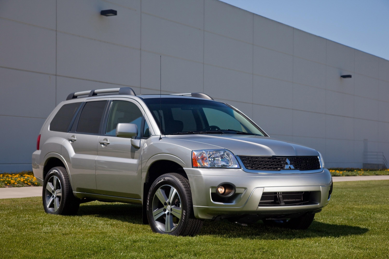 Mitsubishi Endeavor SUV photo #1
