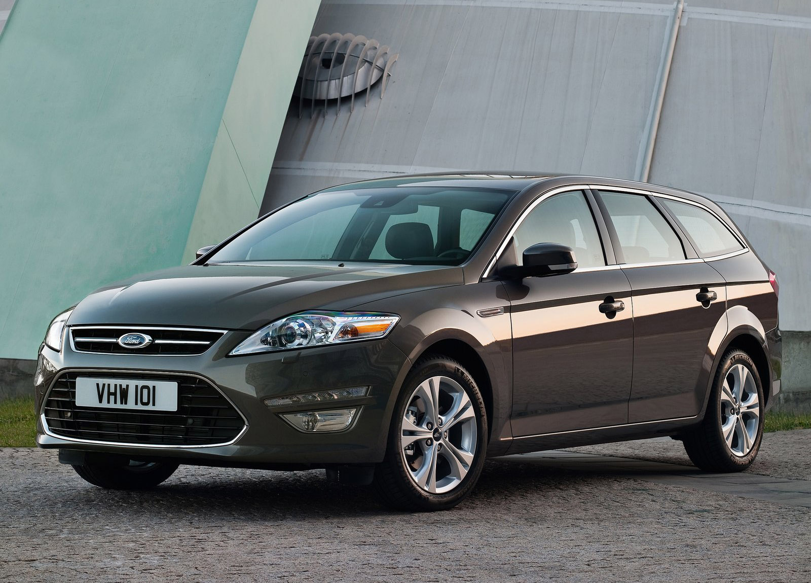 Ford Mondeo Wagon photo #1