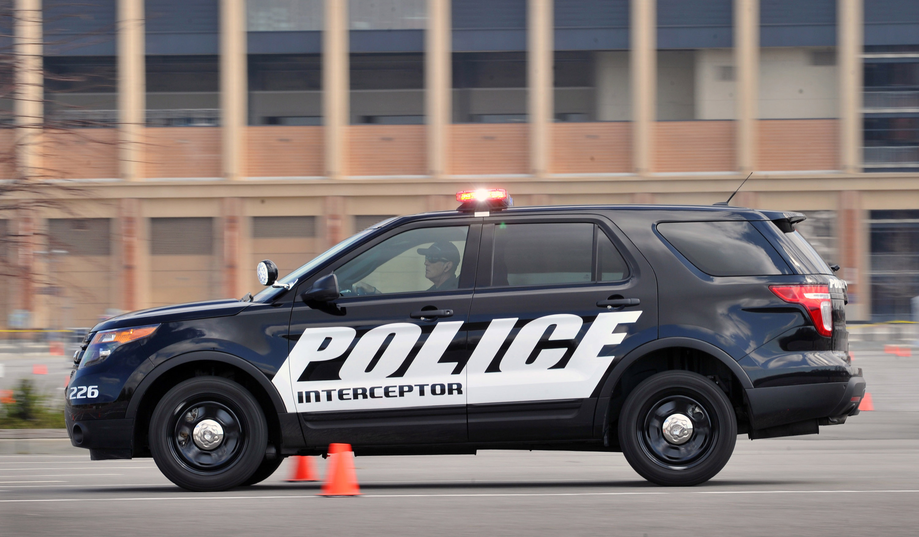 2011 Ford Police Interceptor Utility Vehicle - HD Pictures @ carsinvasion.com