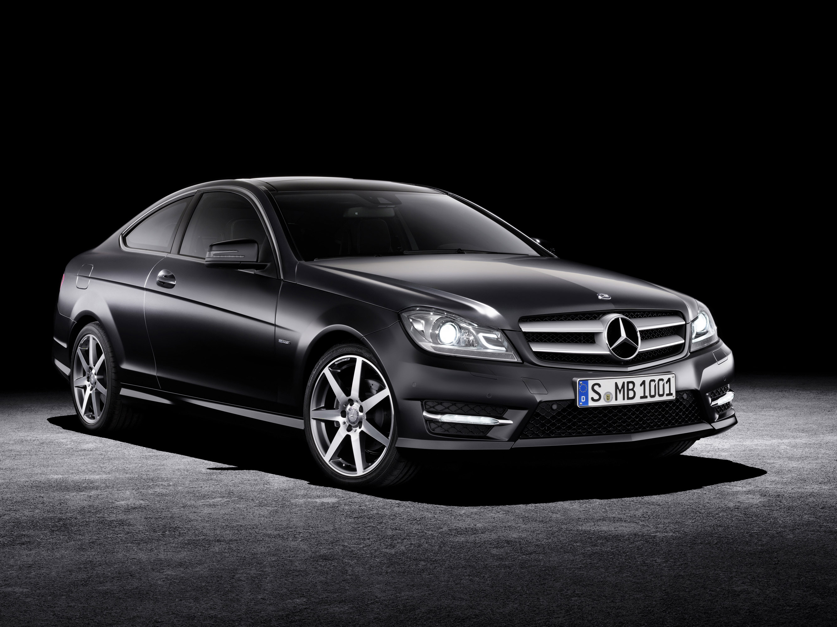 Mercedes-Benz C-Class Coupe photo #1