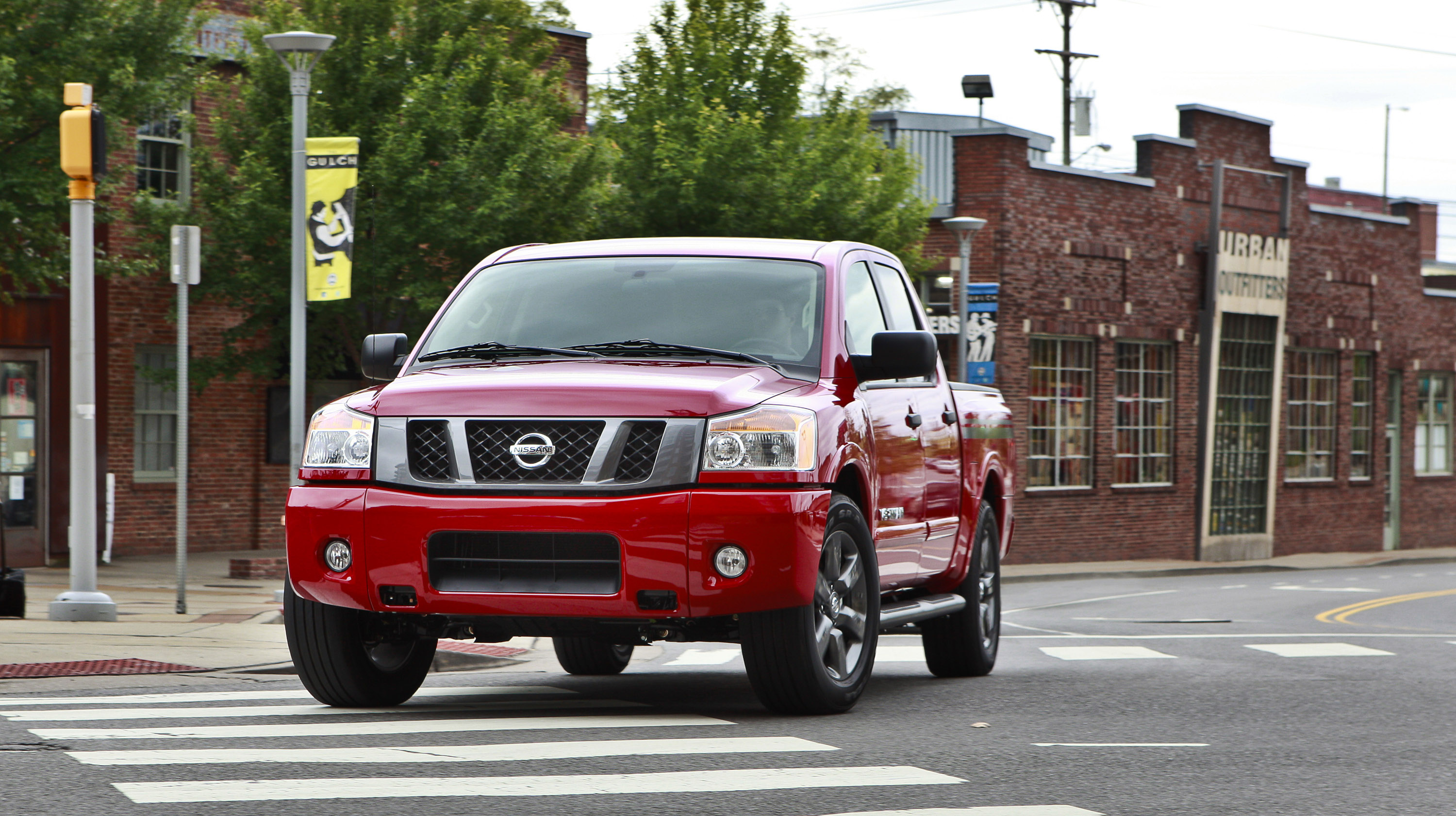 Nissan Titan Crew Cab photo #1