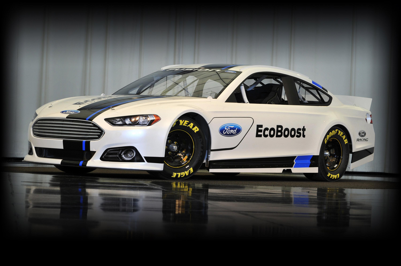 Ford Fusion NASCAR photo #1