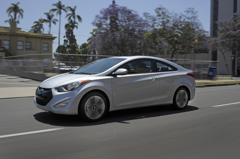 2013 Hyundai Elantra Coupe Hd Pictures Carsinvasion Com