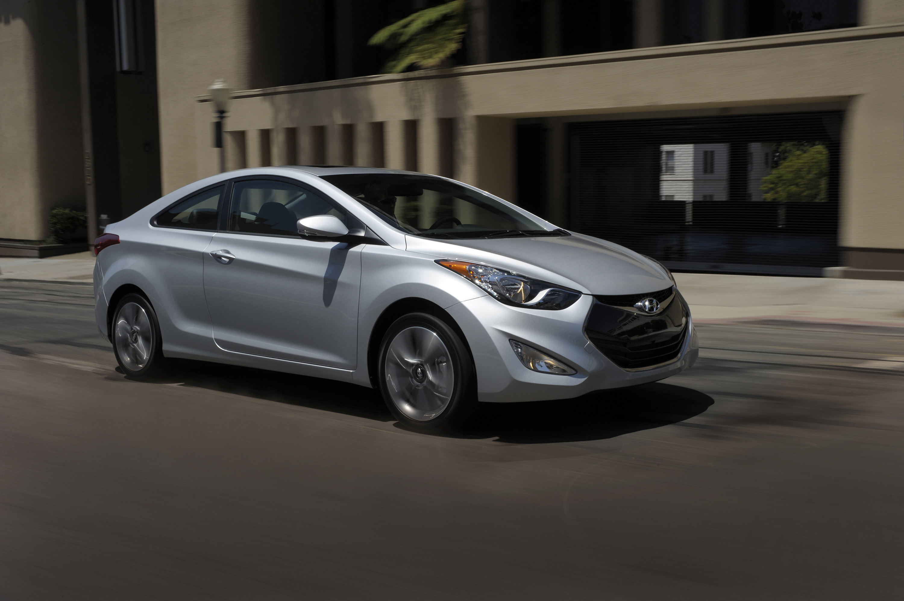2013 hyundai elantra coupe hd pictures. Black Bedroom Furniture Sets. Home Design Ideas