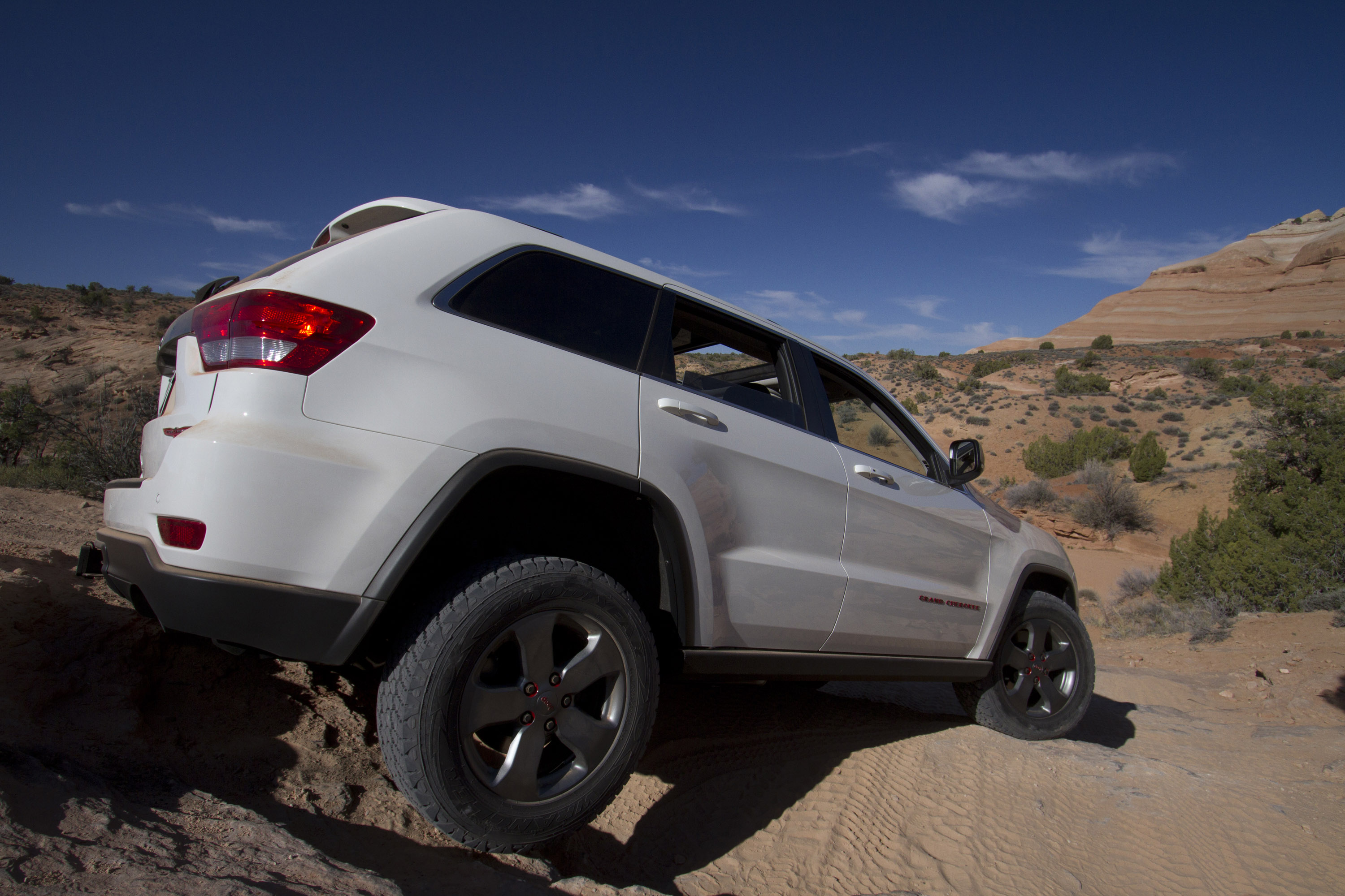2013 Jeep Grand Cherokee Trailhawk - HD Pictures ...