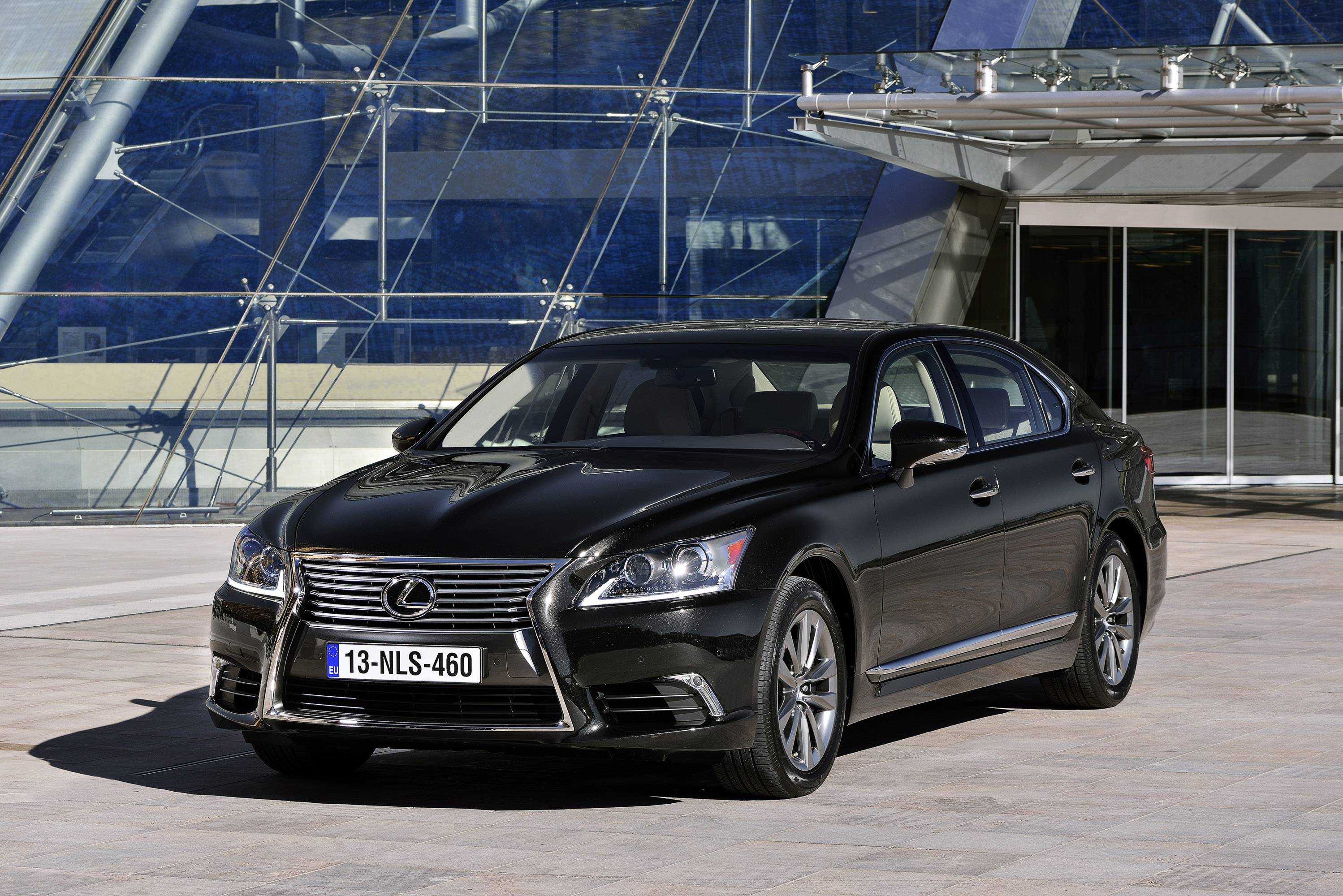 Lexus LS EU-Version photo #1
