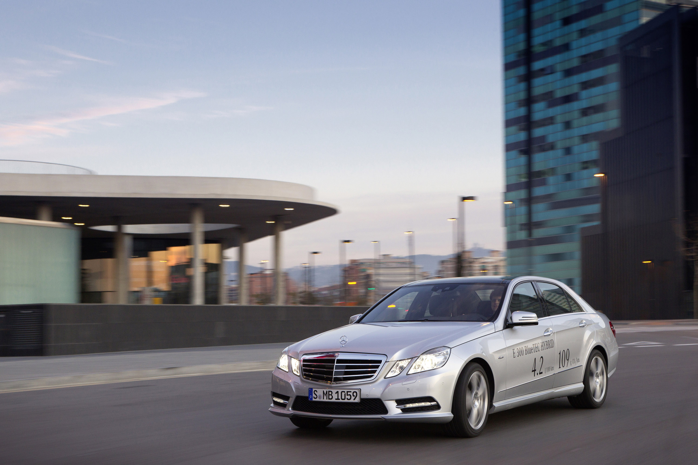 2013 mercedes benz e300 bluetec hybrid hd pictures for Mercedes benz hybrid car