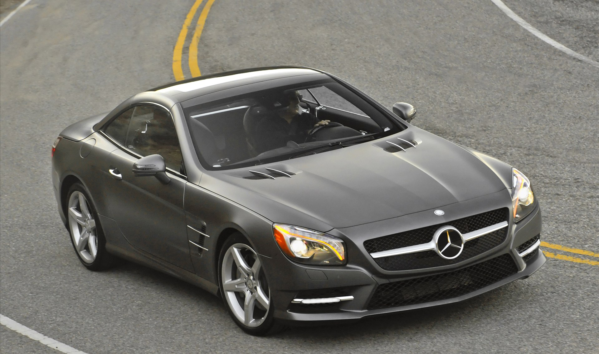2013 mercedes benz sl550 hd pictures for Mercedes benz seat belt purse