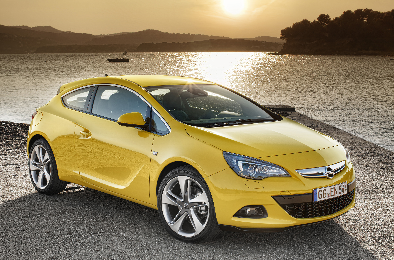 Opel Astra GTC photo #1