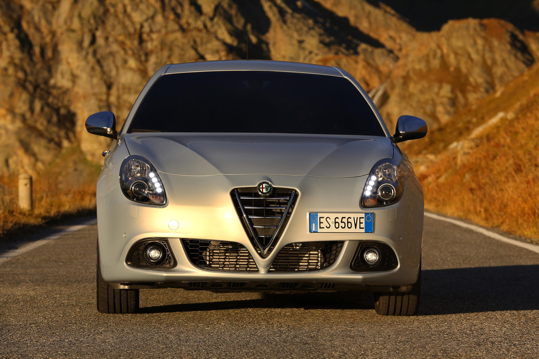 2014 Alfa Romeo Giulietta Hd Pictures Carsinvasion Com