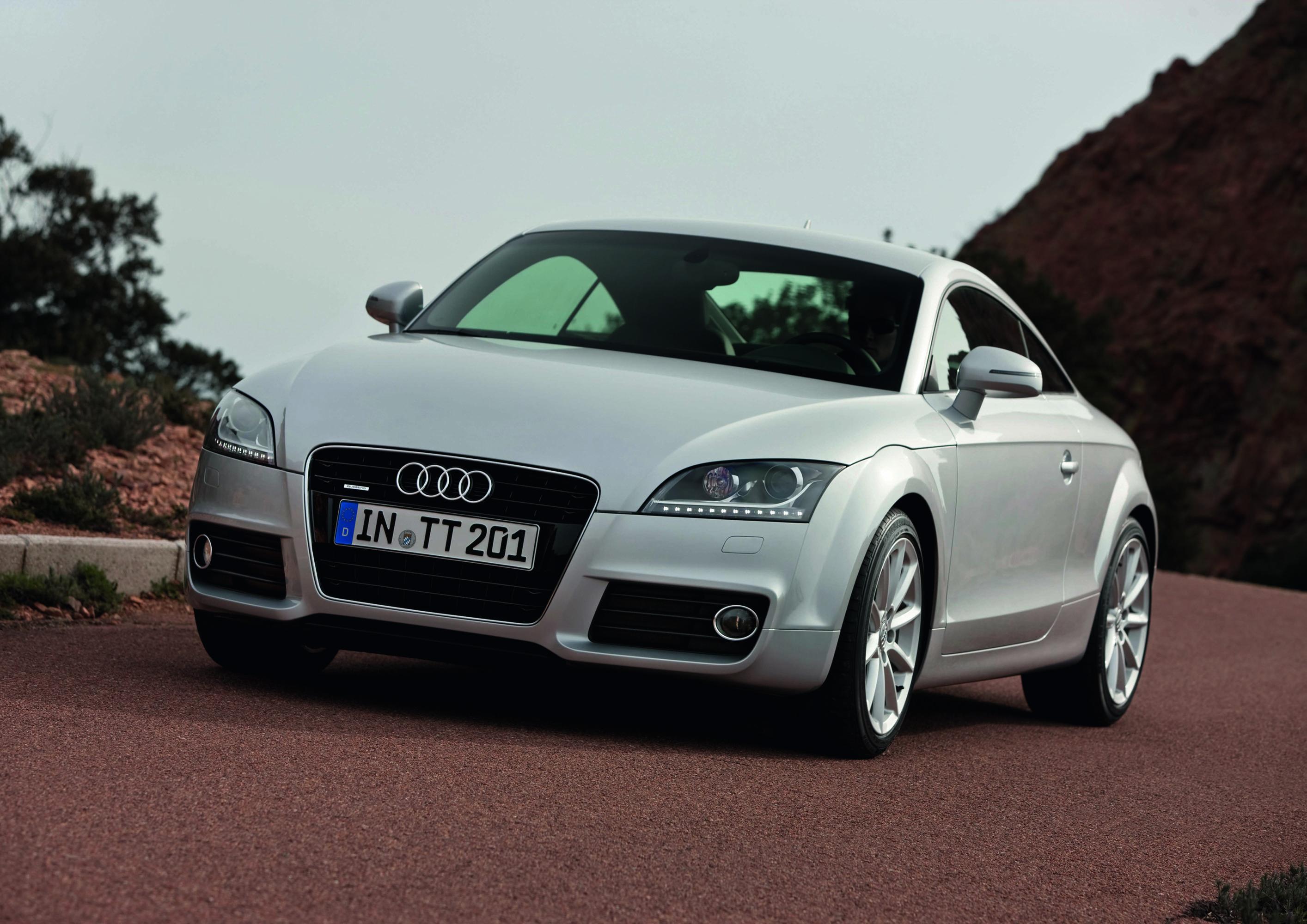 Audi TT Coupe-Roadster photo #1