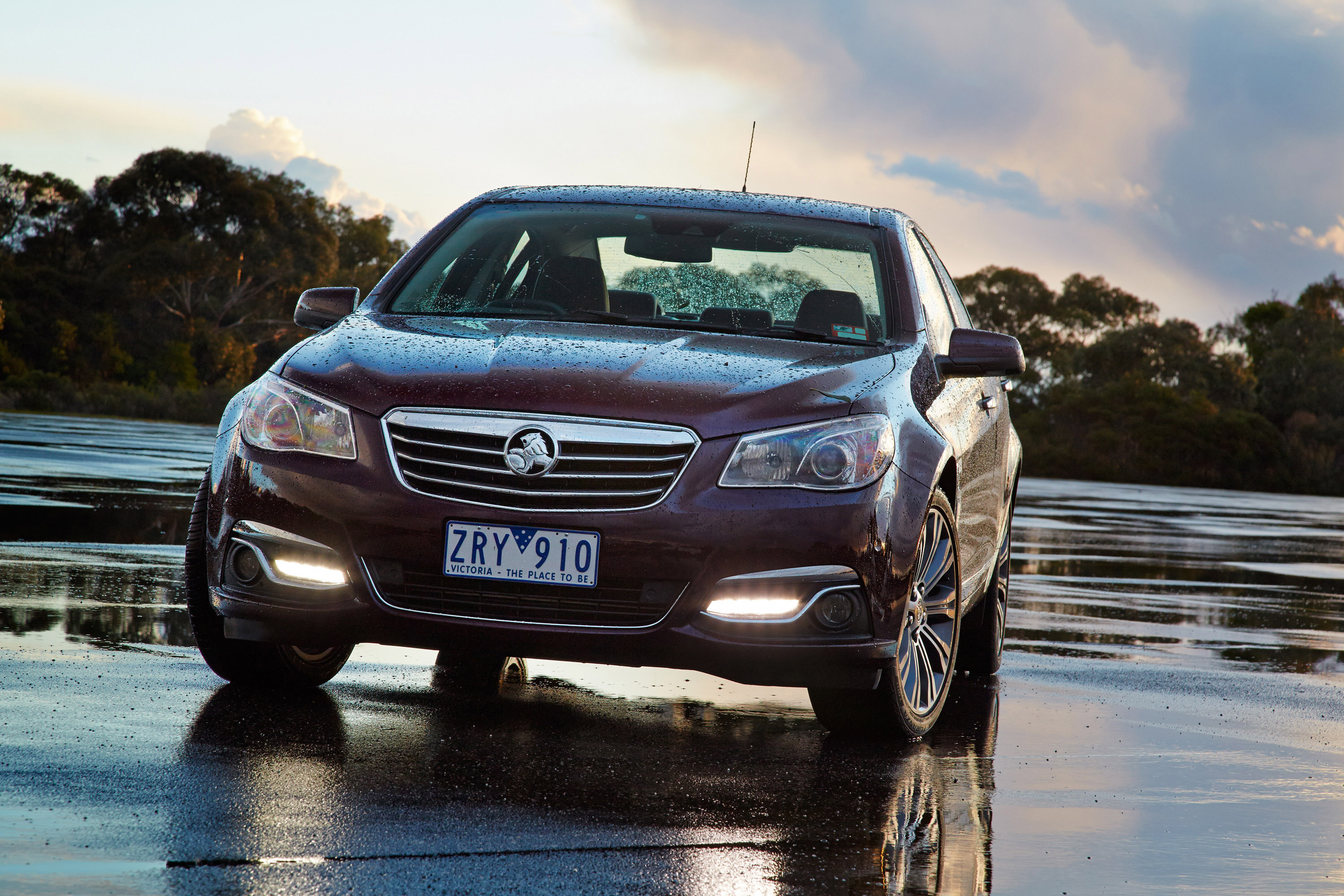 2014 holden vf commodore calais v images hd cars wallpaper 2014 holden vf commodore sportwagen calais v hd pictures 2014 holden vf commodore sportwagen calais v vanachro Image collections