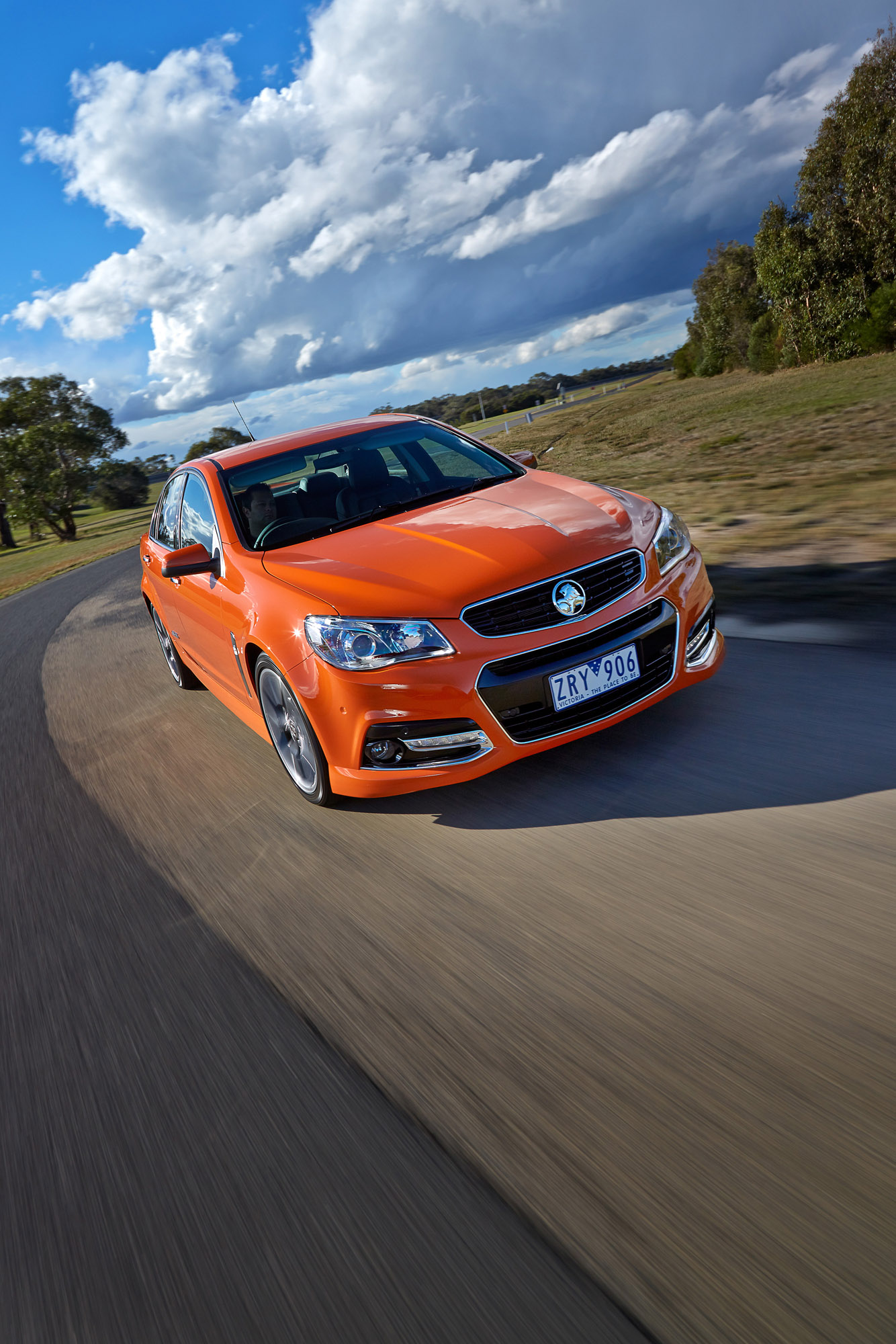 2014 holden vf commodore ssv hd pictures carsinvasion 2014 holden vf commodore ssv thumbnail photo 74691 vanachro Images