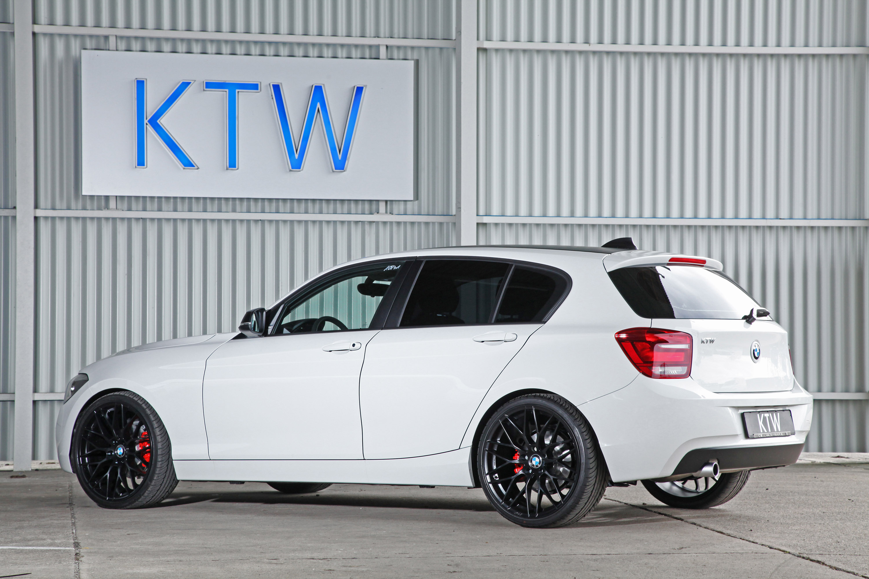 2014 Ktw Tuning Bmw 1 Series Black And White Hd Pictures Carsinvasion Com