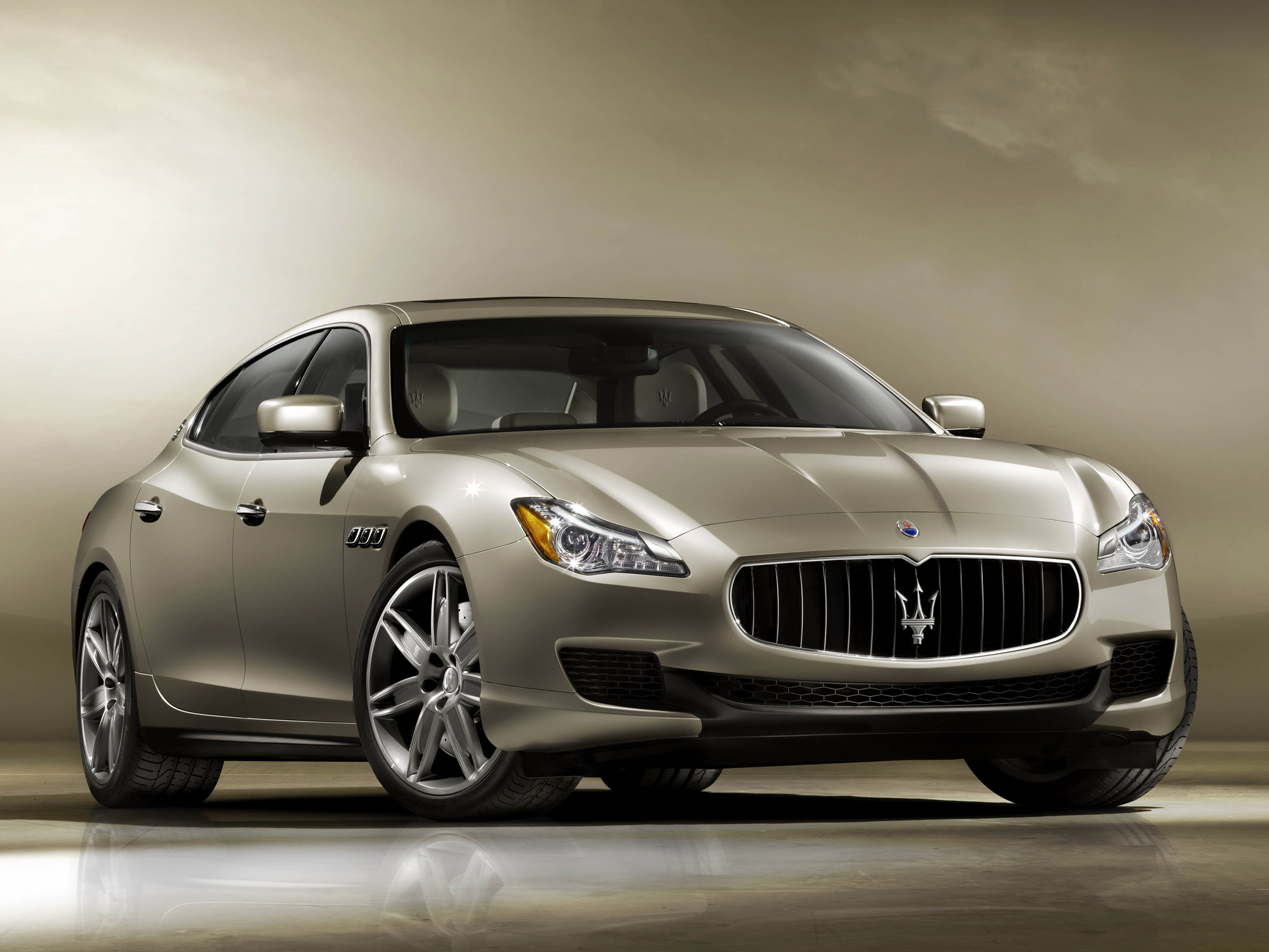 Maserati Quattroporte photo #1