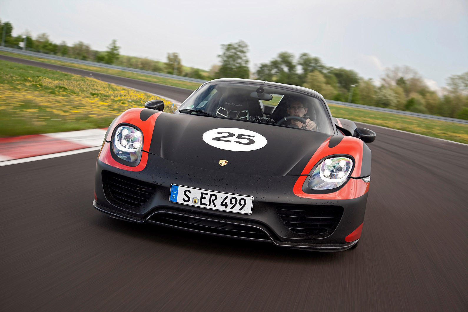 Porsche 918 Spyder photo #2