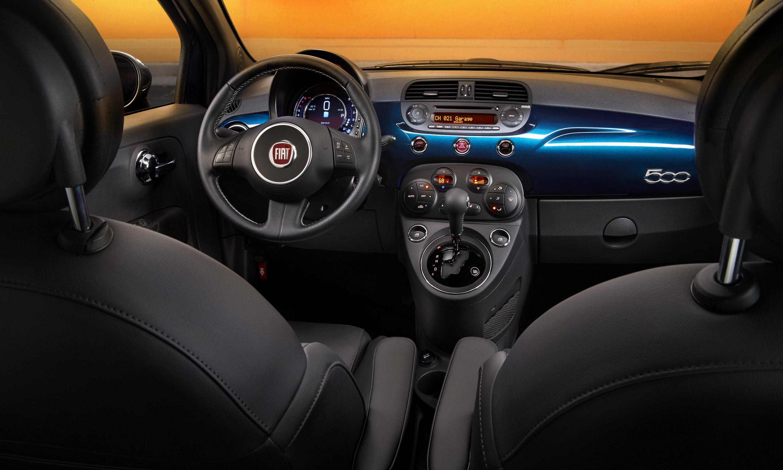 Fiat 500 Interior photo #1