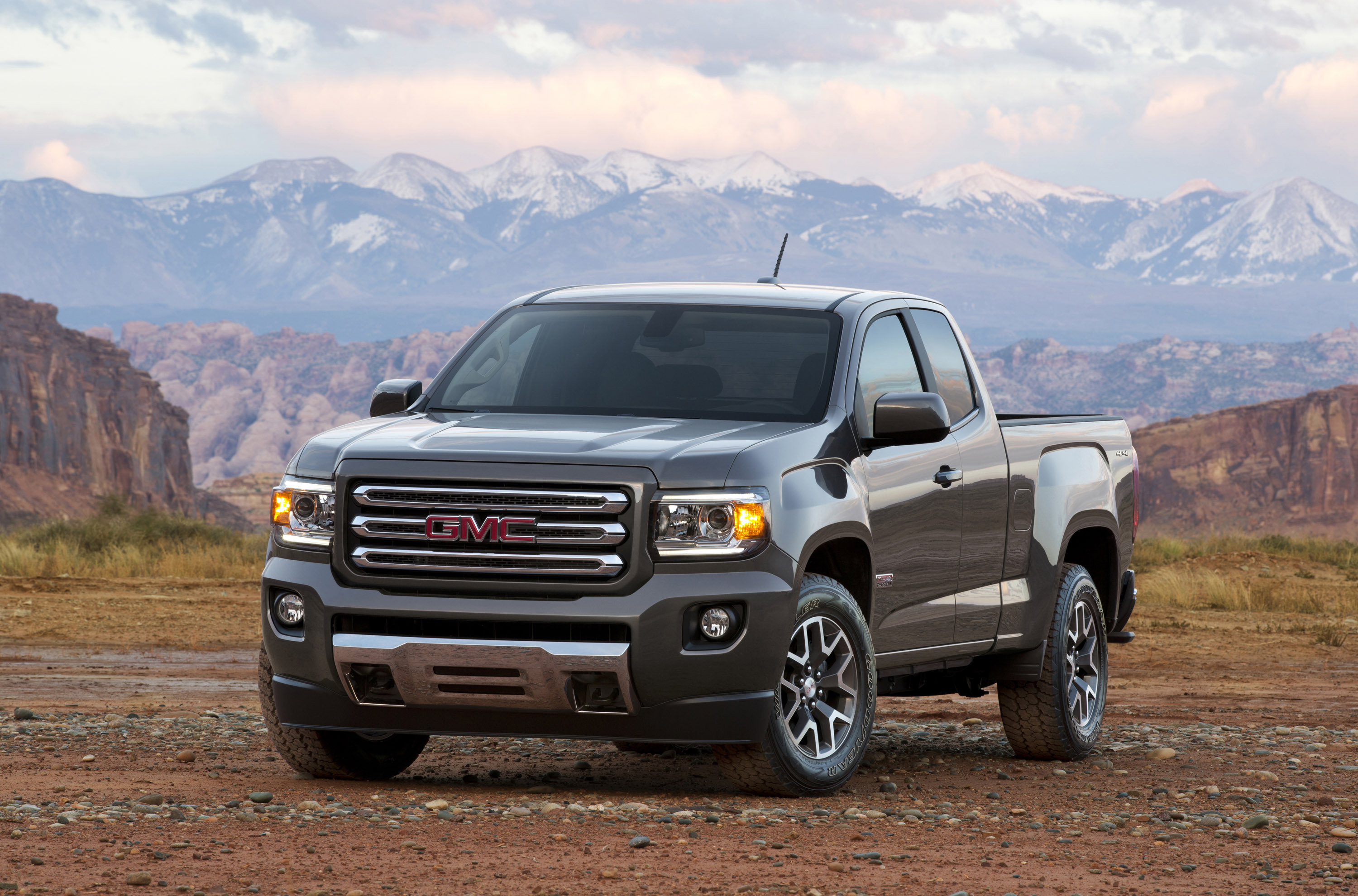 GMC Canyon photo #1