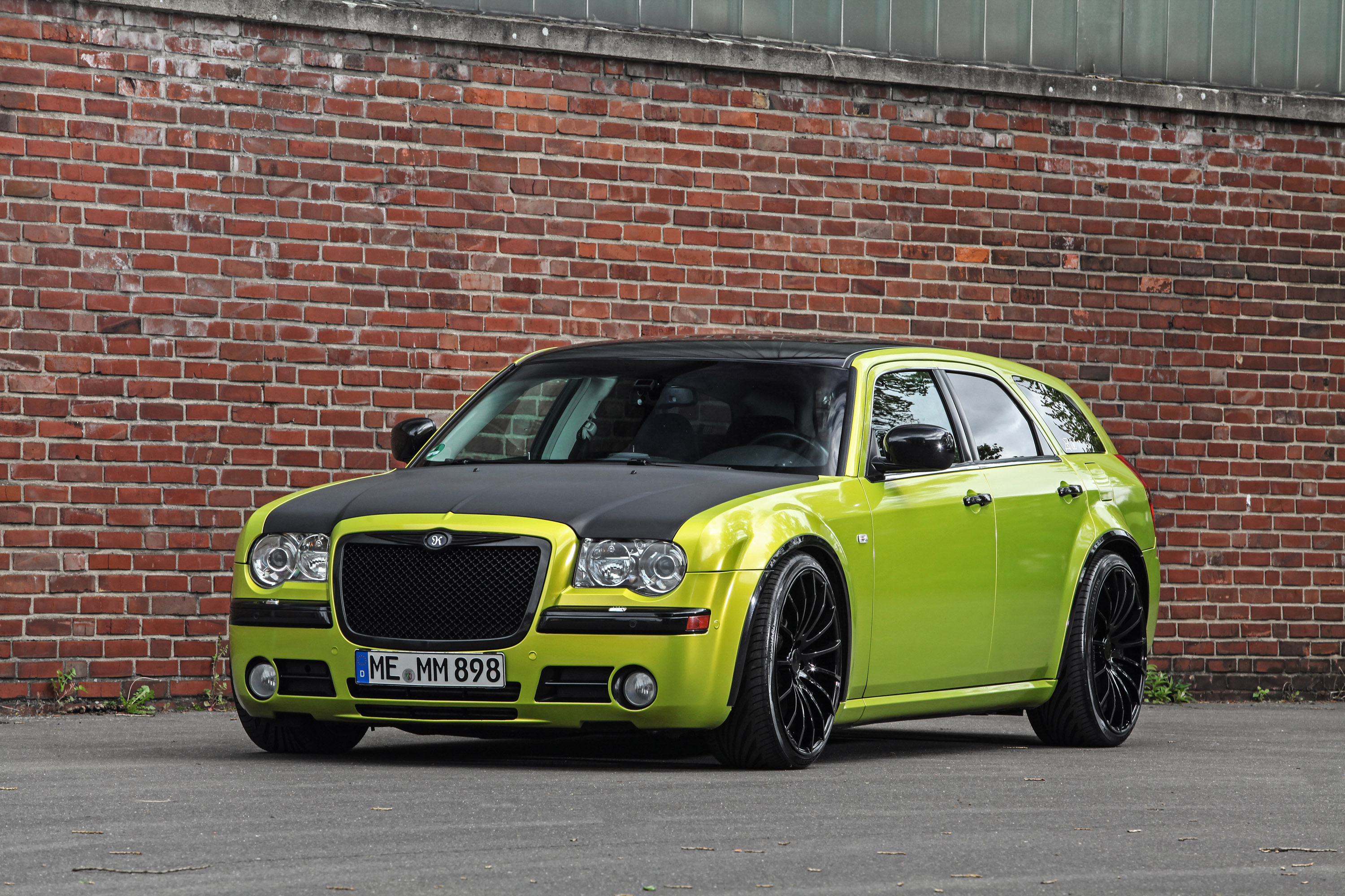 2015 hplusb chrysler 300c crd touring hd pictures for Chrysler 300c crd