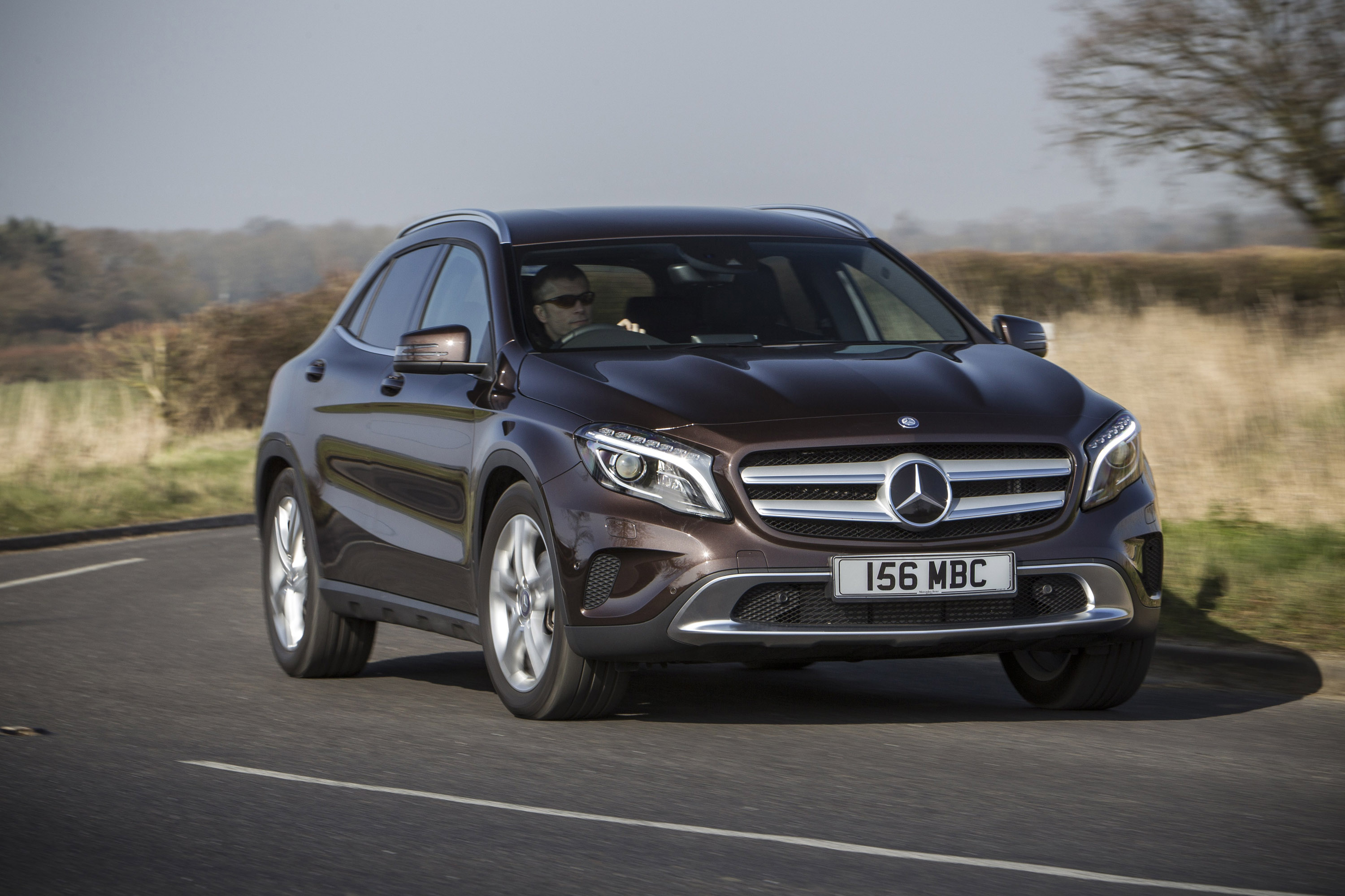 2015 mercedes benz gla uk version hd pictures. Black Bedroom Furniture Sets. Home Design Ideas