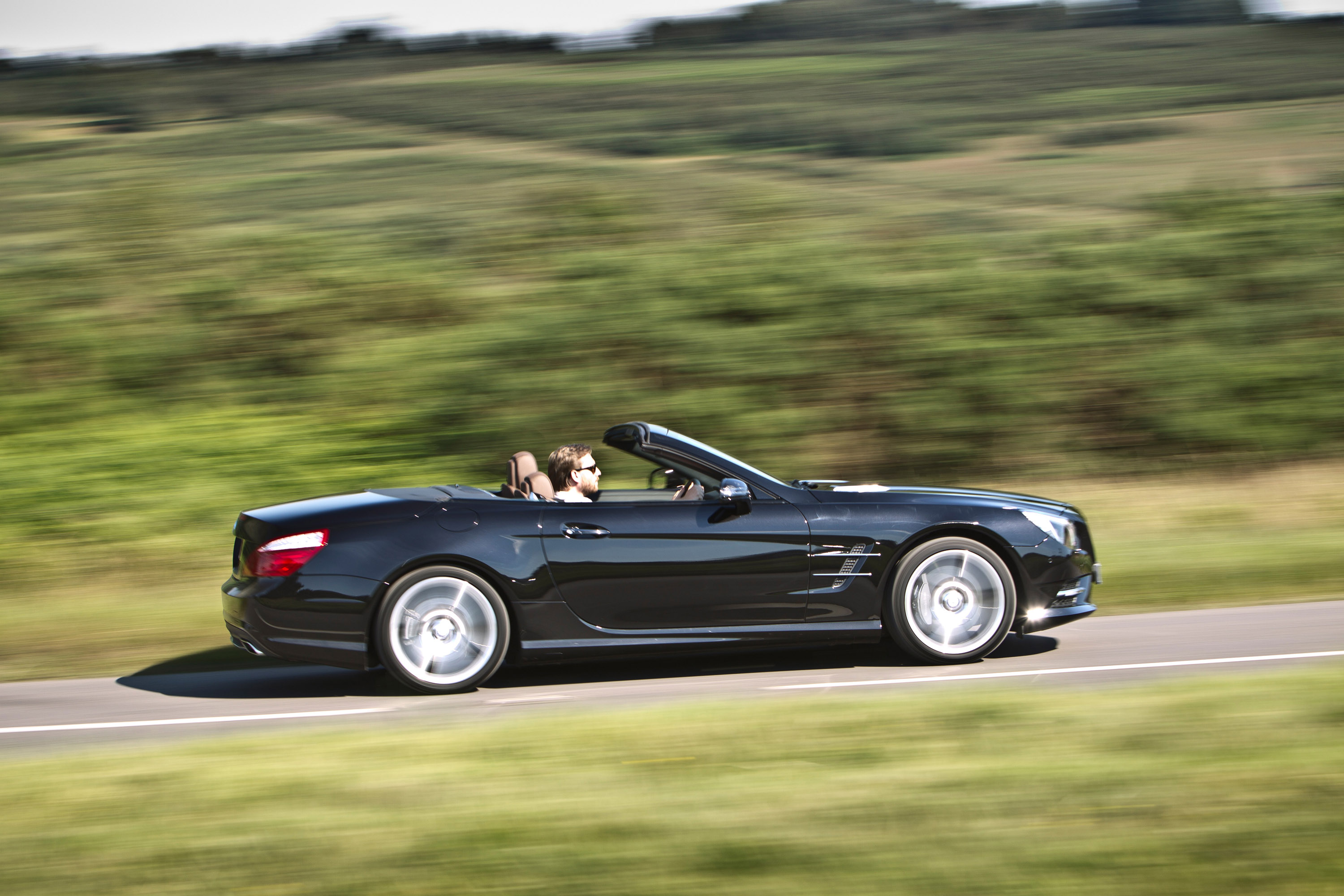 2015 Mercedes Benz SL 400 HD Pictures