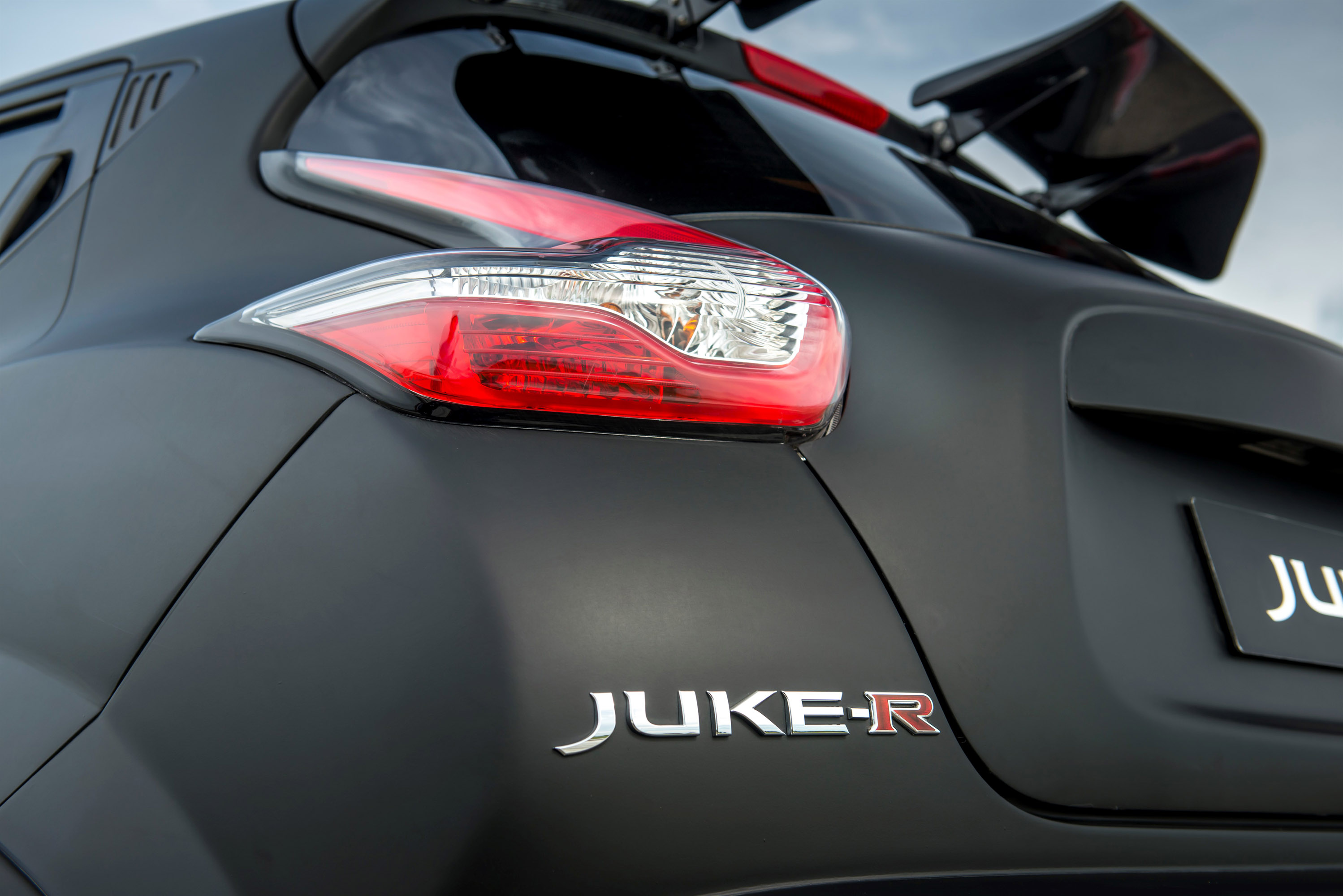 Nissan Juke-R 2.0 Concept photo #21