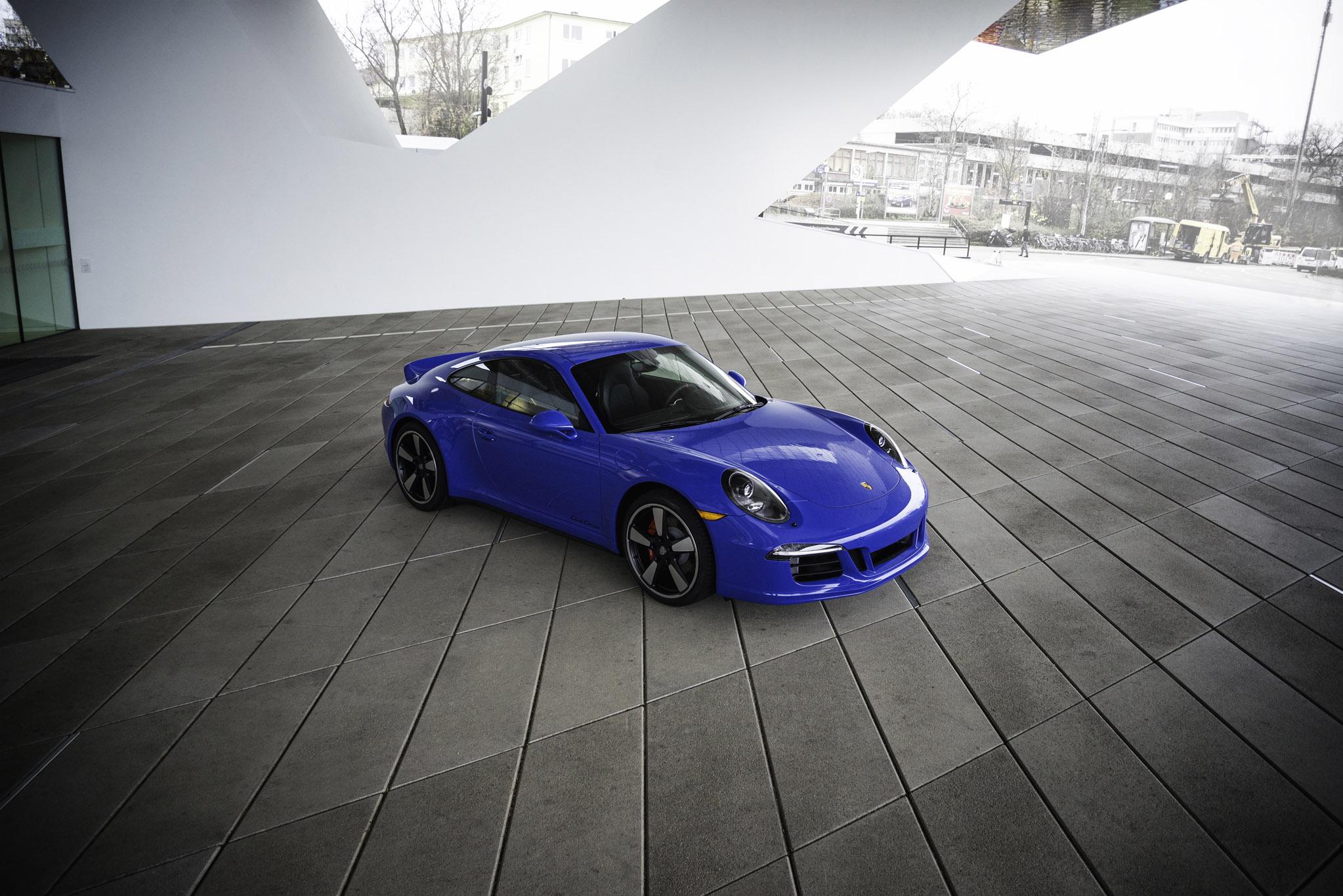 Porsche 911 GTS Club Coupe photo #1